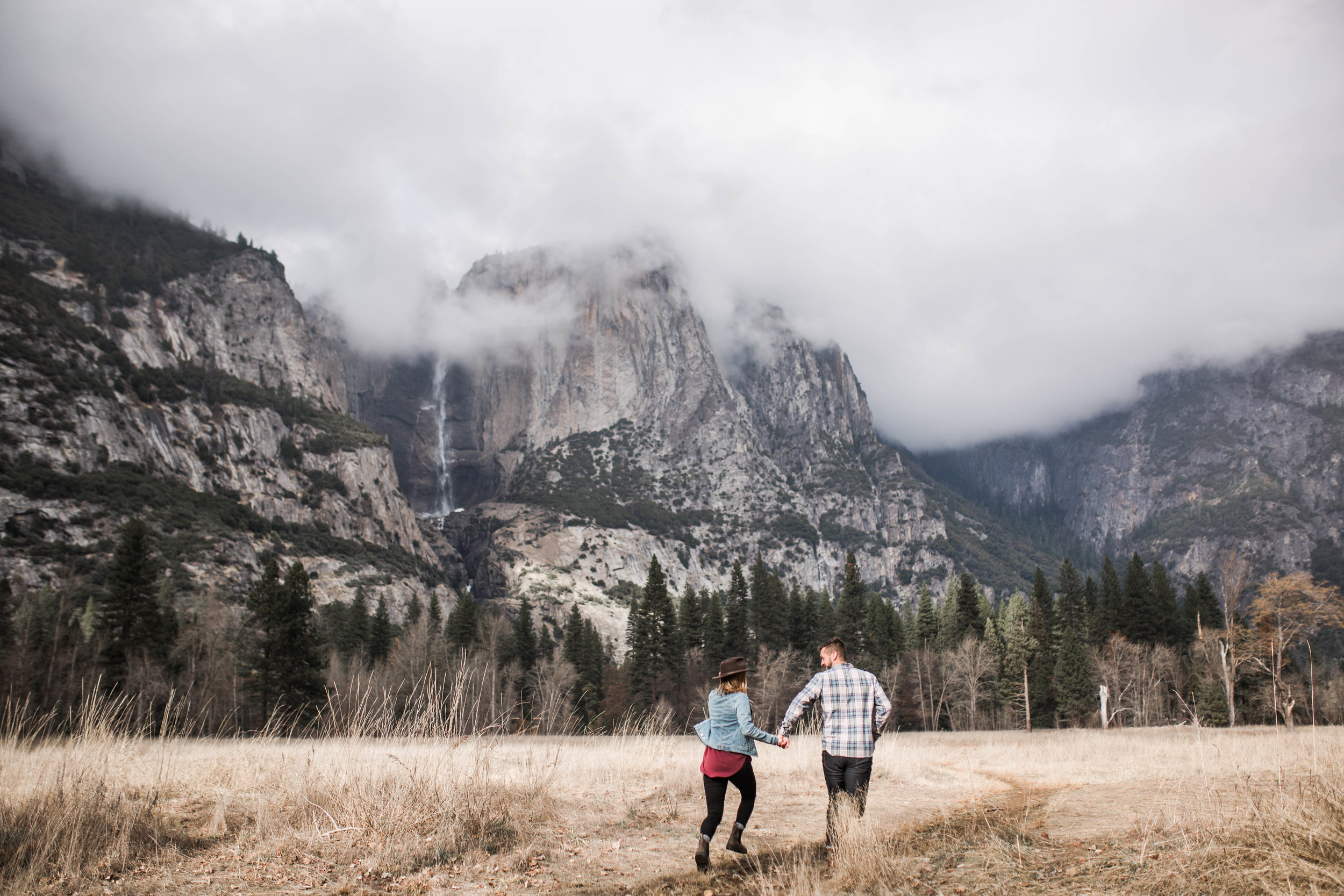 Nicole Daacke Photography-Yosemite-National-Park-Mountain-Adventure-Engagement-Session-Photos-1.jpg