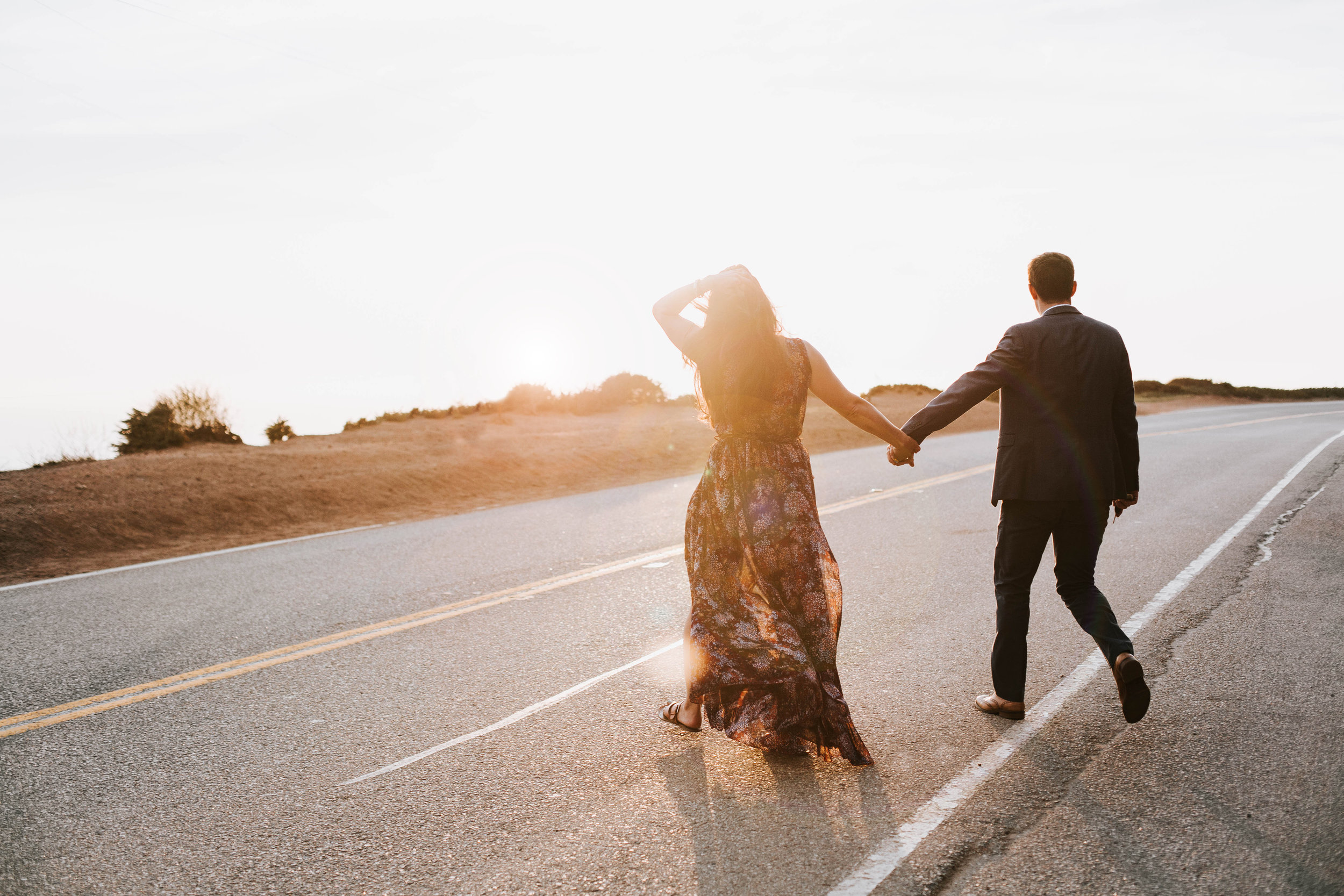 Nicole-Daacke-Photography-Big-Sur-California-Adventure-Golden-Beach-Sunset-authentic-candid-engagement-couples-session-37.jpg