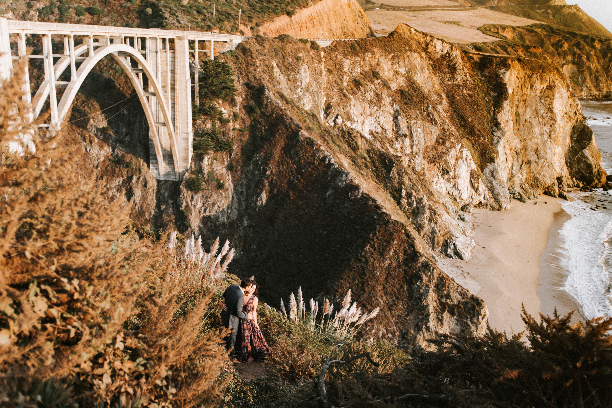 Nicole-Daacke-Photography-Big-Sur-California-Adventure-Golden-Beach-Sunset-authentic-candid-engagement-couples-session-29.jpg