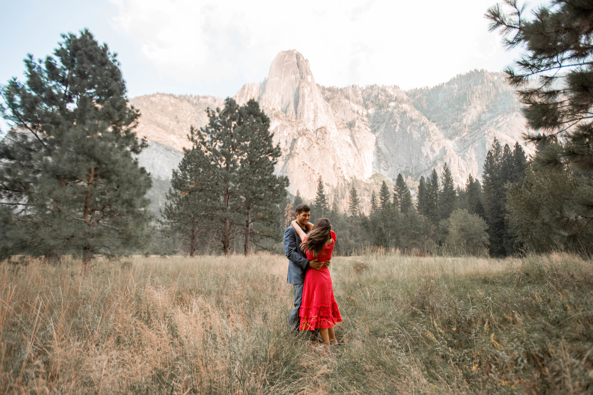 Nicole-Daacke-Photography-Yosemite-Valley-Adventurous-playful-fun-enagement-adventure-engagement-photographer-national-park-photographer-4.jpg