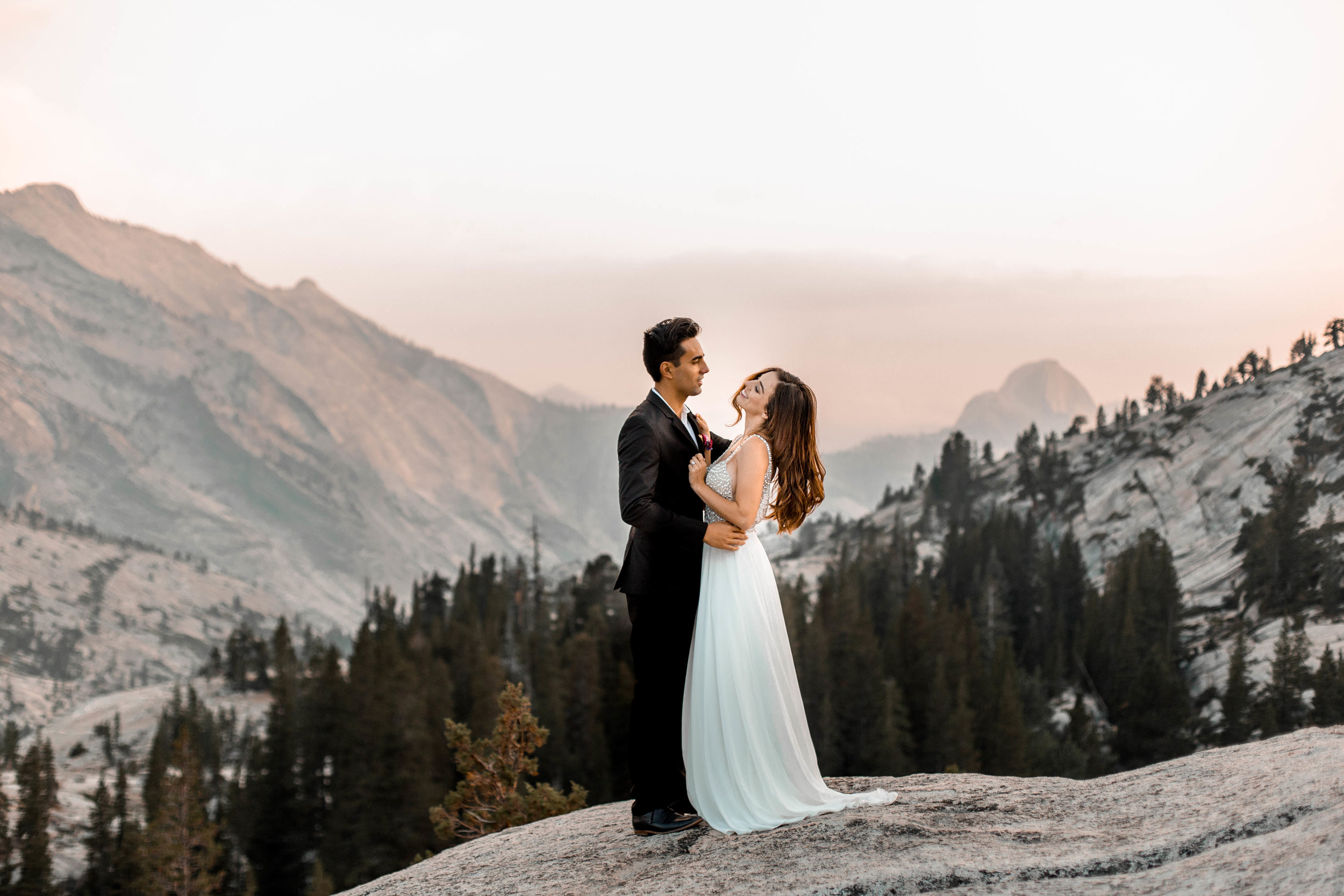 nicole-daacke-photography-yosemite-national-park-wedding-sunset-elopement-olmstead-point-yosemite-adventure-wedding-photographer-adventurous-elopement-destination-wedding-national-park-wedding-photography-1720.jpg