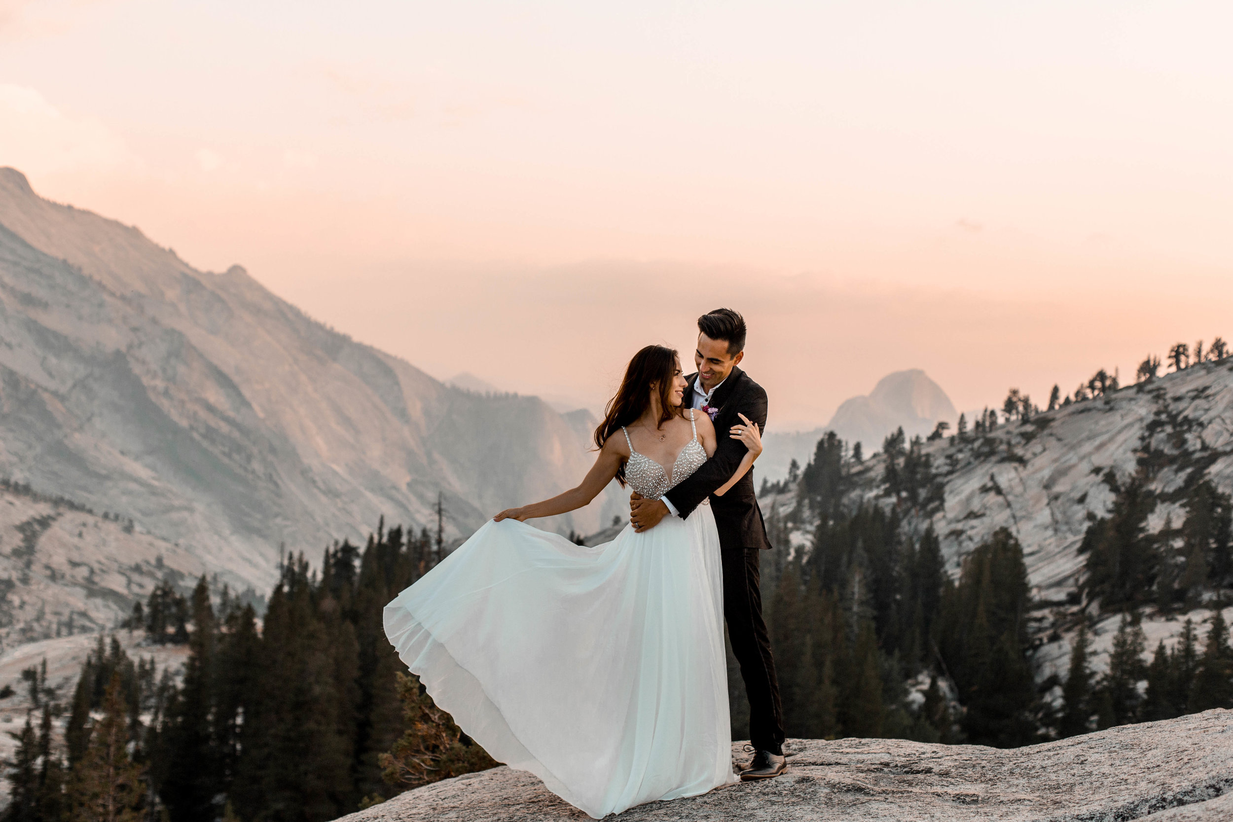 nicole-daacke-photography-yosemite-national-park-wedding-sunset-elopement-olmstead-point-yosemite-adventure-wedding-photographer-adventurous-elopement-destination-wedding-national-park-wedding-photography-1745.jpg