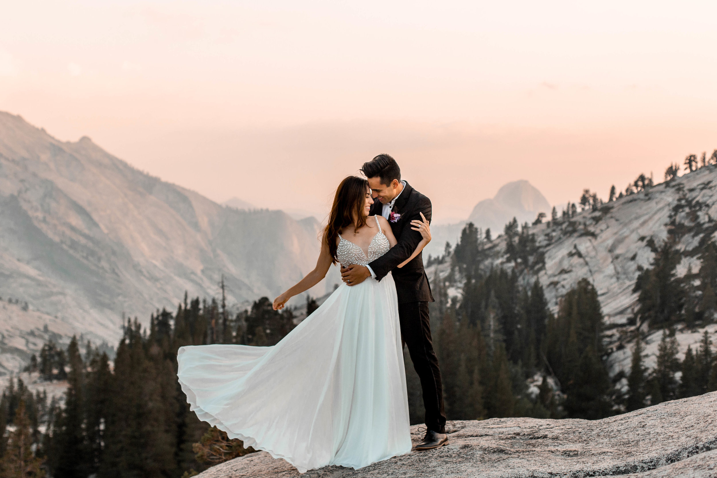 nicole-daacke-photography-yosemite-national-park-wedding-sunset-elopement-olmstead-point-yosemite-adventure-wedding-photographer-adventurous-elopement-destination-wedding-national-park-wedding-photography-1753.jpg
