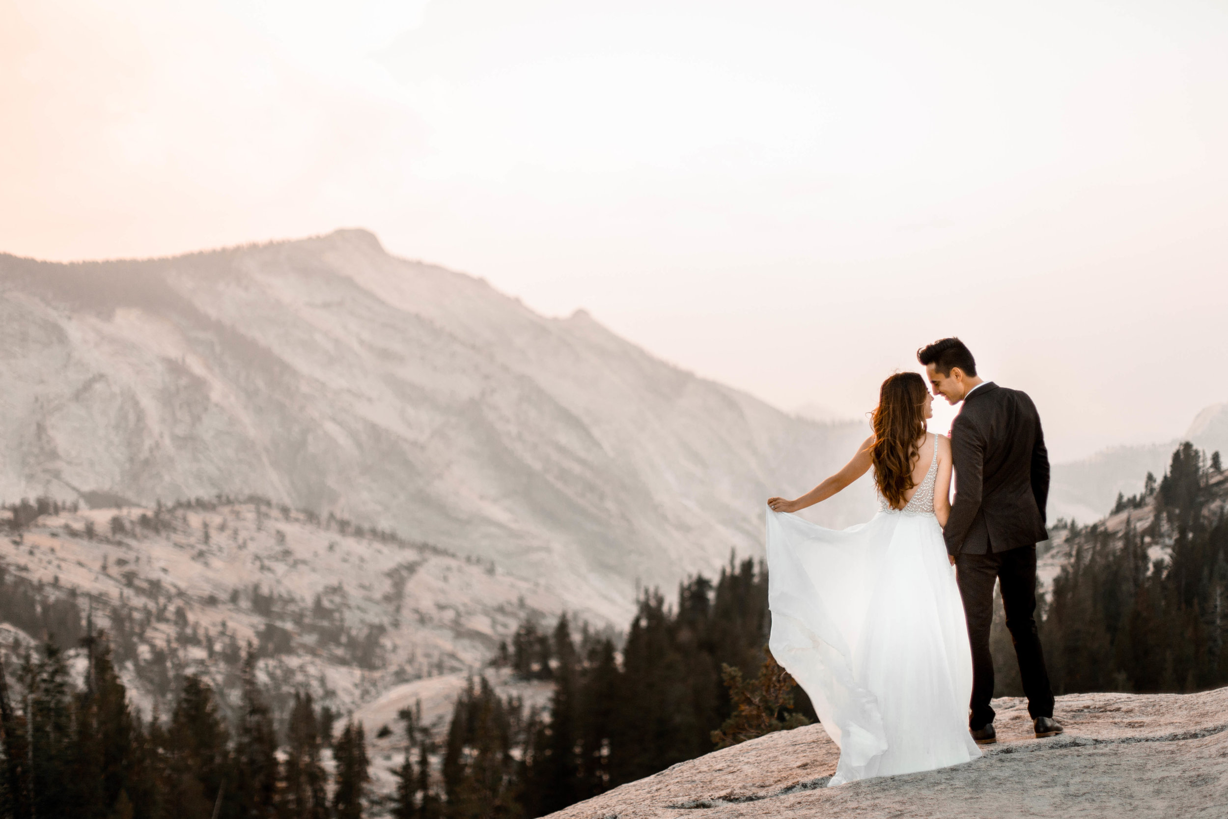 nicole-daacke-photography-yosemite-national-park-wedding-sunset-elopement-olmstead-point-yosemite-adventure-wedding-photographer-adventurous-elopement-destination-wedding-national-park-wedding-photography-2004.jpg