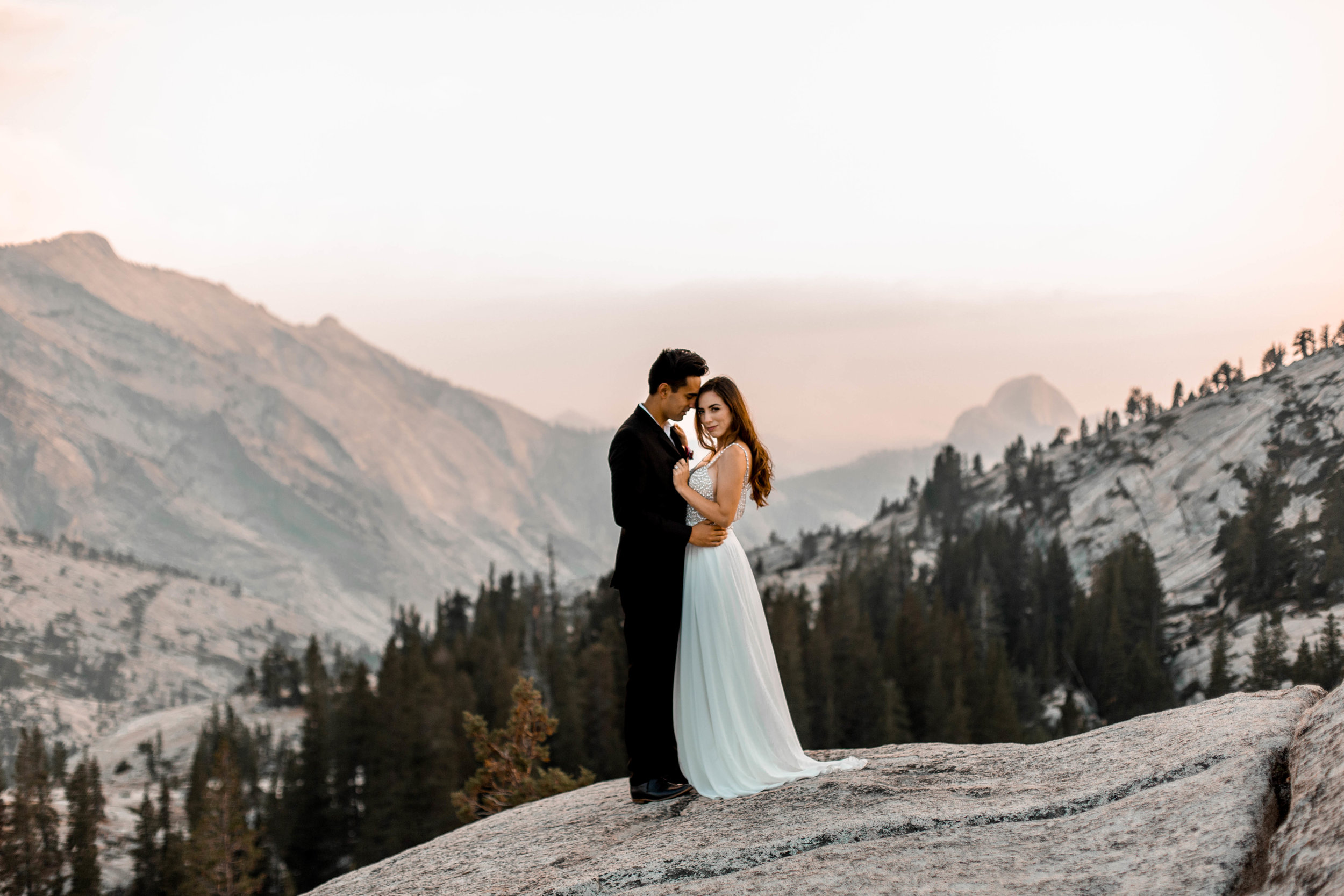 nicole-daacke-photography-yosemite-national-park-wedding-sunset-elopement-olmstead-point-yosemite-adventure-wedding-photographer-adventurous-elopement-destination-wedding-national-park-wedding-photography-1717.jpg