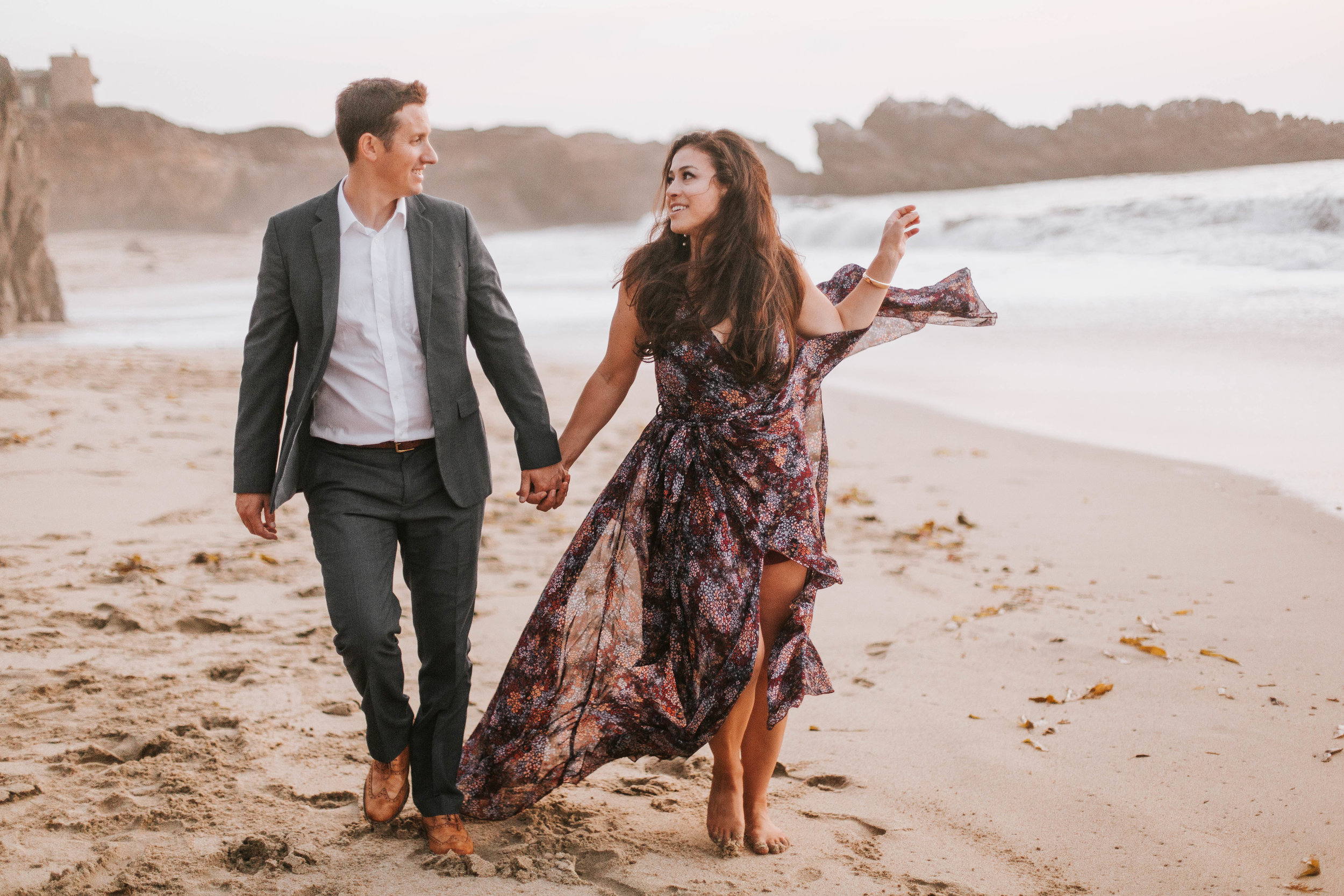 nicole-daacke-photography-big-sur-california-coast-adventure-engagement-photos-adventurous-elopement-intimate-wedding-photographer-golden-coastal-cali-engagement-session-3.jpg