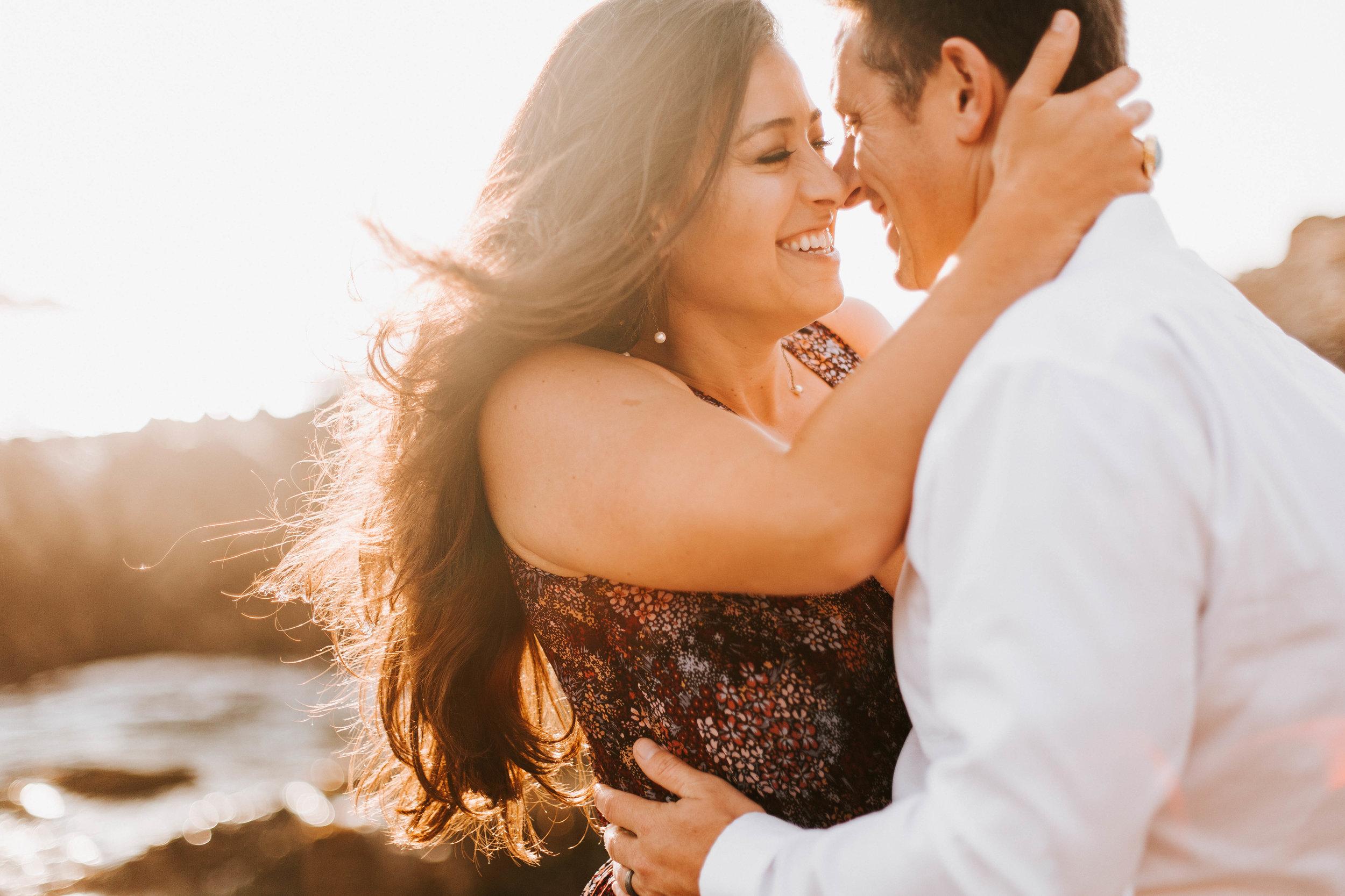 nicole-daacke-photography-big-sur-california-coast-adventure-engagement-photos-adventurous-elopement-intimate-wedding-photographer-golden-coastal-cali-engagement-session-17.jpg