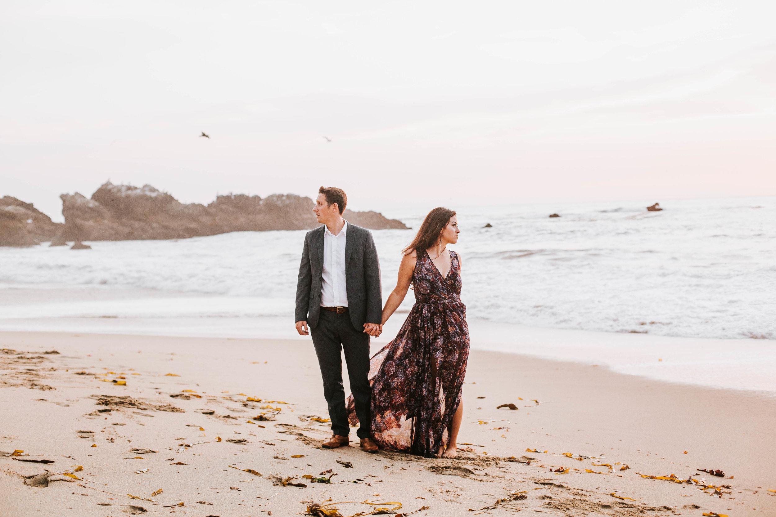 nicole-daacke-photography-big-sur-california-coast-adventure-engagement-photos-adventurous-elopement-intimate-wedding-photographer-golden-coastal-cali-engagement-session-26.jpg