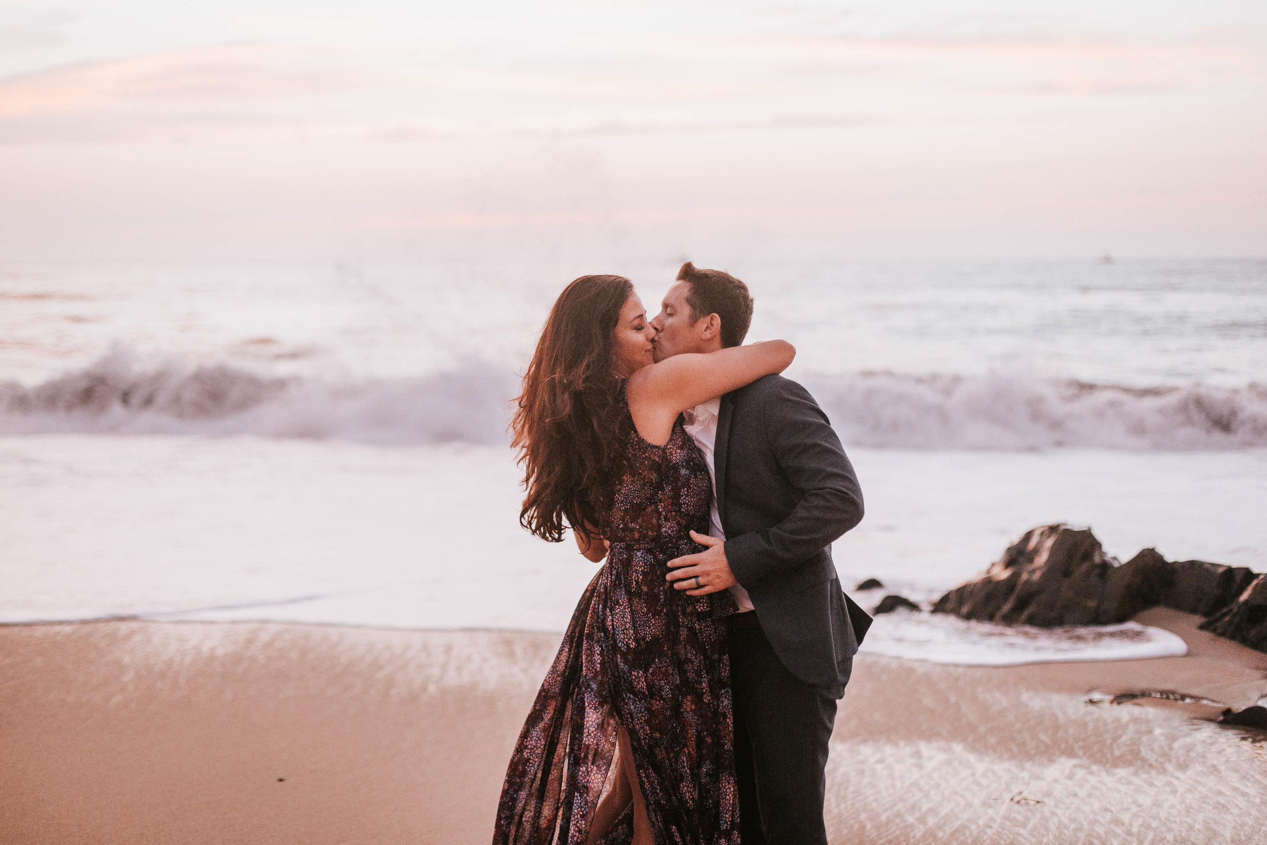 nicole-daacke-photography-big-sur-california-coast-adventure-engagement-photos-adventurous-elopement-intimate-wedding-photographer-golden-coastal-cali-engagement-session-32.jpg
