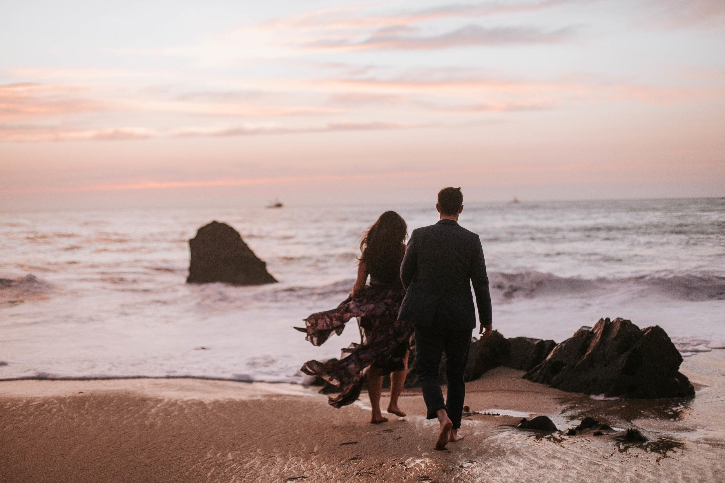 nicole-daacke-photography-big-sur-california-coast-adventure-engagement-photos-adventurous-elopement-intimate-wedding-photographer-golden-coastal-cali-engagement-session-33.jpg