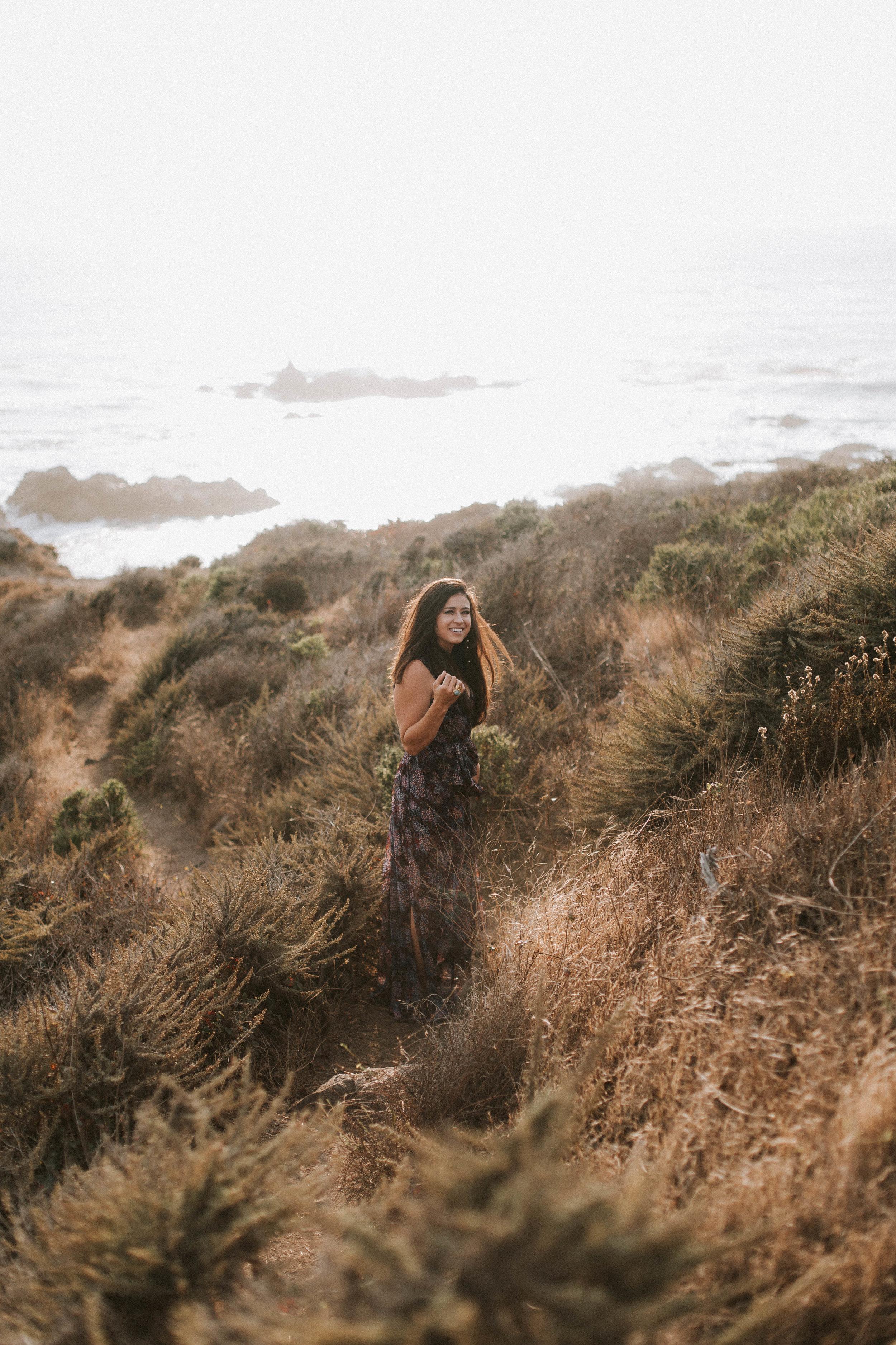 nicole-daacke-photography-big-sur-california-coast-adventure-engagement-photos-adventurous-elopement-intimate-wedding-photographer-golden-coastal-cali-engagement-session-35.jpg