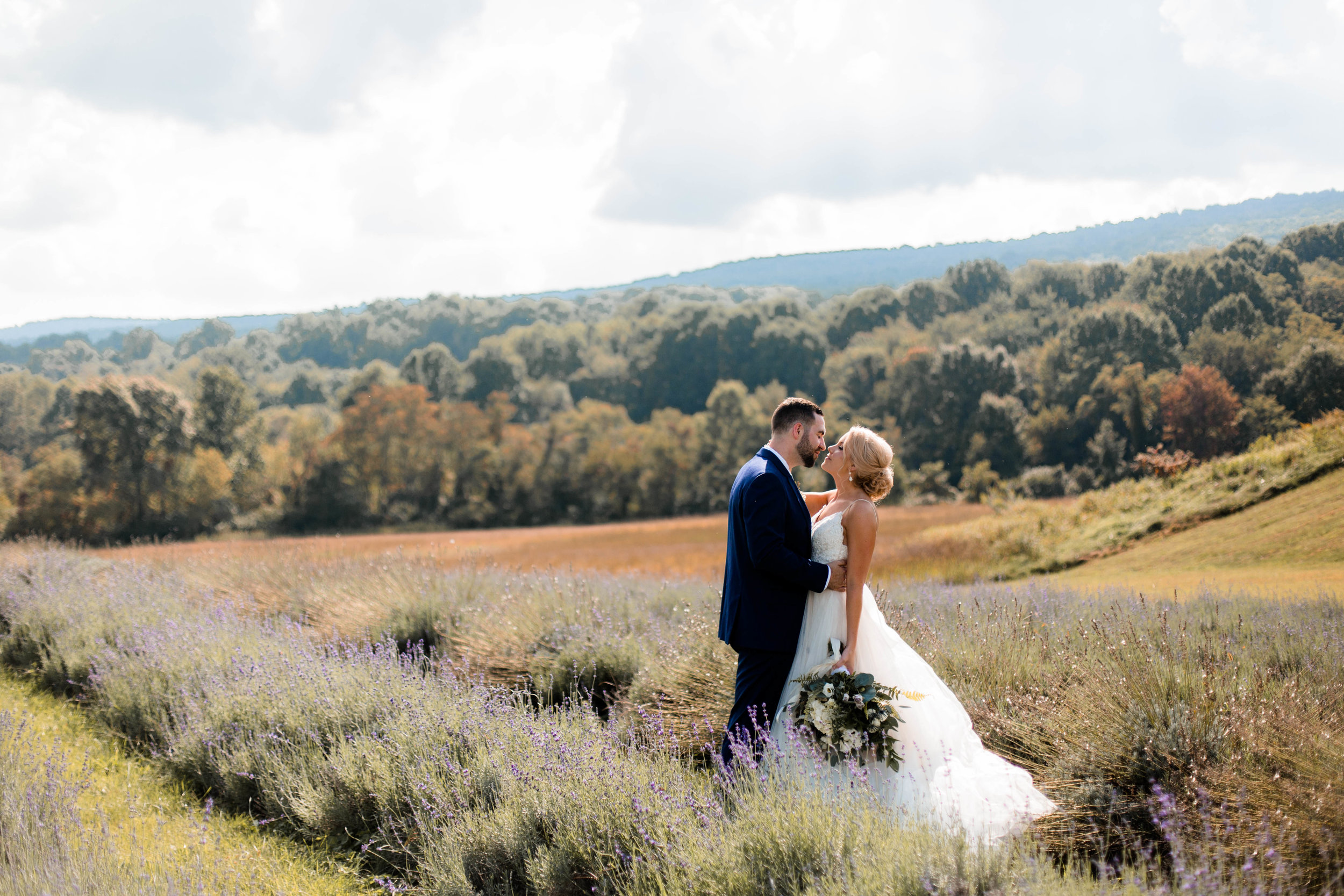 nicole-daacke-photography-intimate-wedding-in-a-lavender-field-washington-state-wedding-photographer-intimate-elopement-golden-lavender-field-wedding-photos-26.jpg