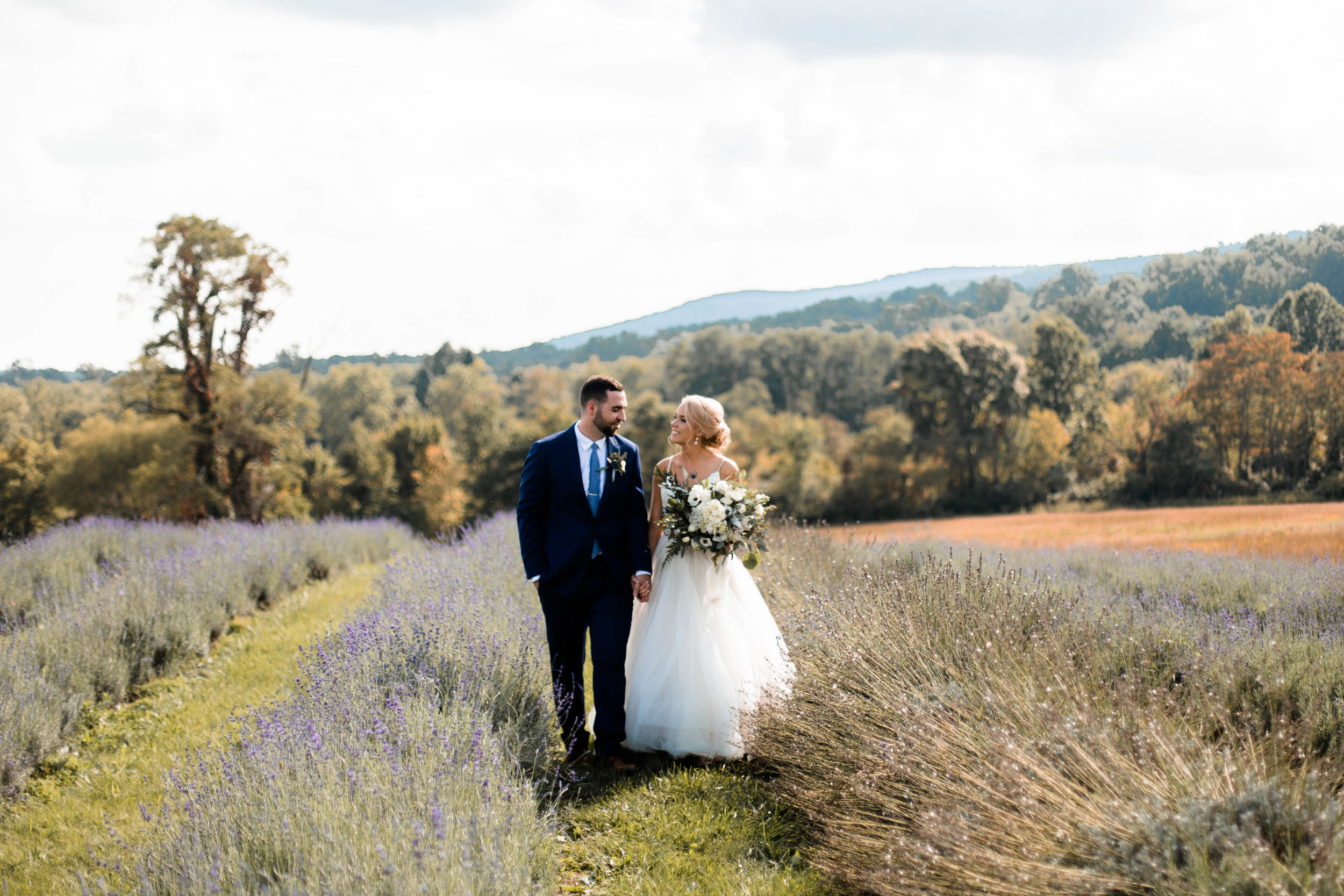 nicole-daacke-photography-intimate-wedding-in-a-lavender-field-washington-state-wedding-photographer-intimate-elopement-golden-lavender-field-wedding-photos-33.jpg