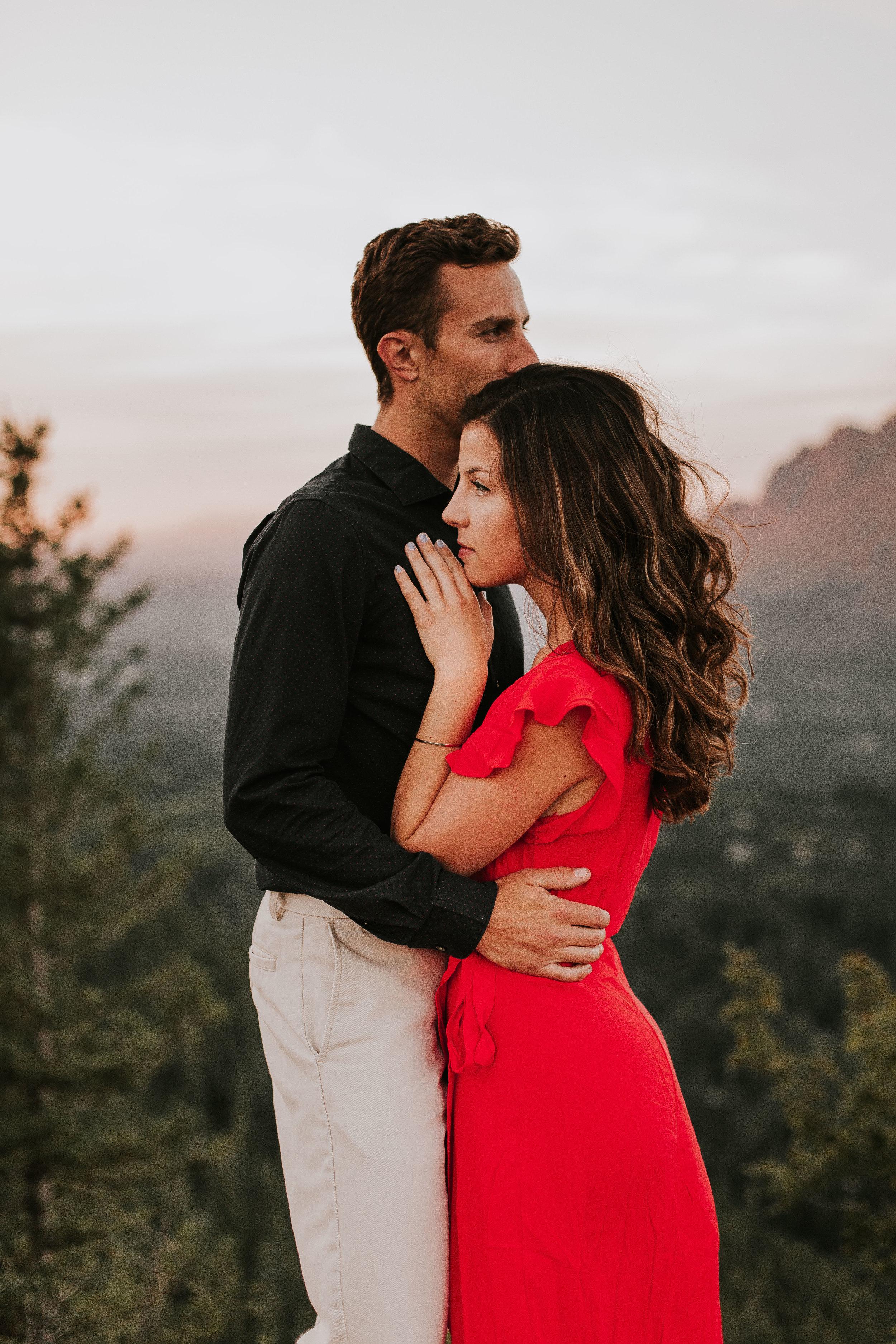 nicole-daacke-photography-rattlesnake-ridge-adventurous-engagement-session-hiking-seattle-washington-destinatino-elopement-intimate-wedding-photographer-15.jpg