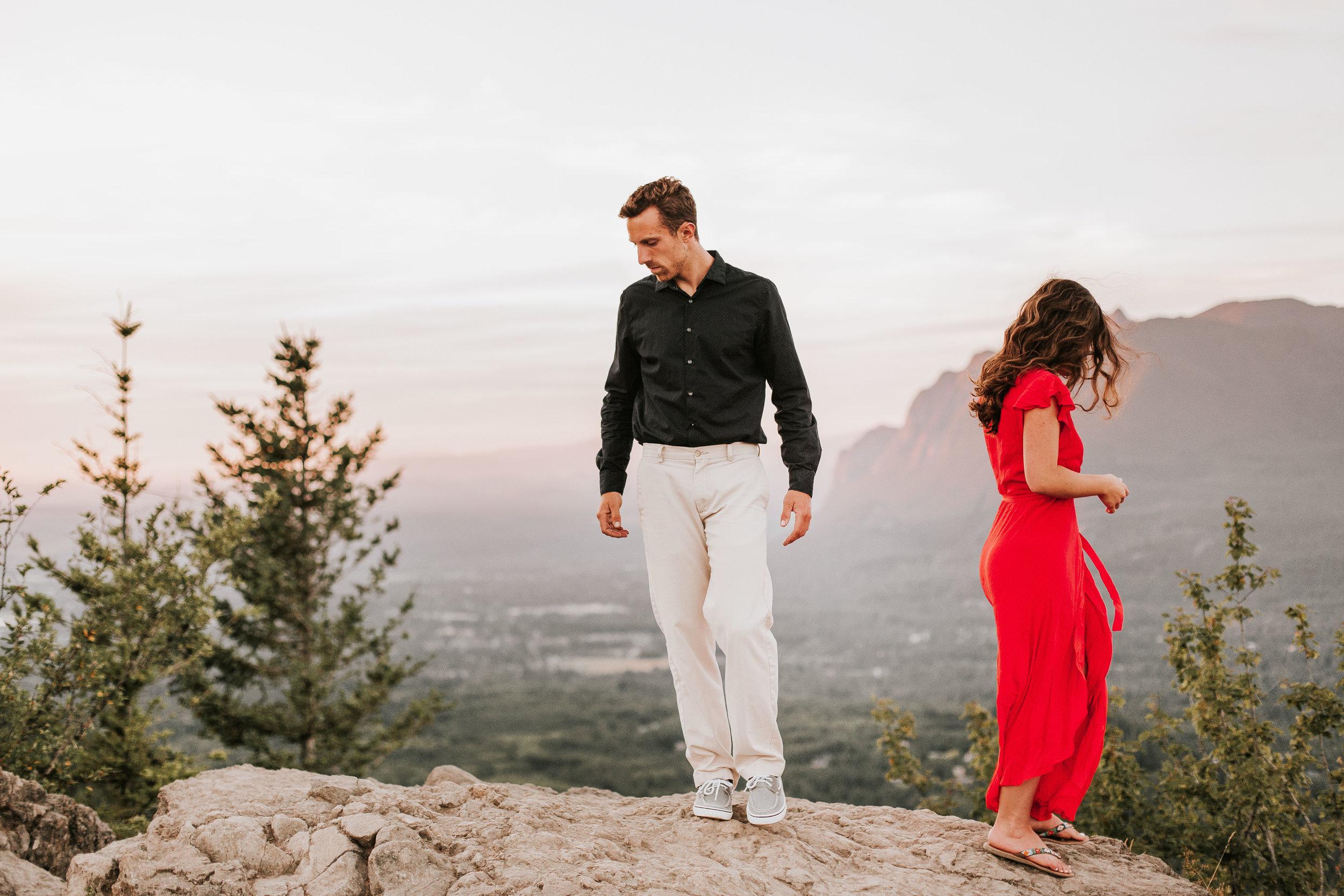 nicole-daacke-photography-rattlesnake-ridge-adventurous-engagement-session-hiking-seattle-washington-destinatino-elopement-intimate-wedding-photographer-16.jpg