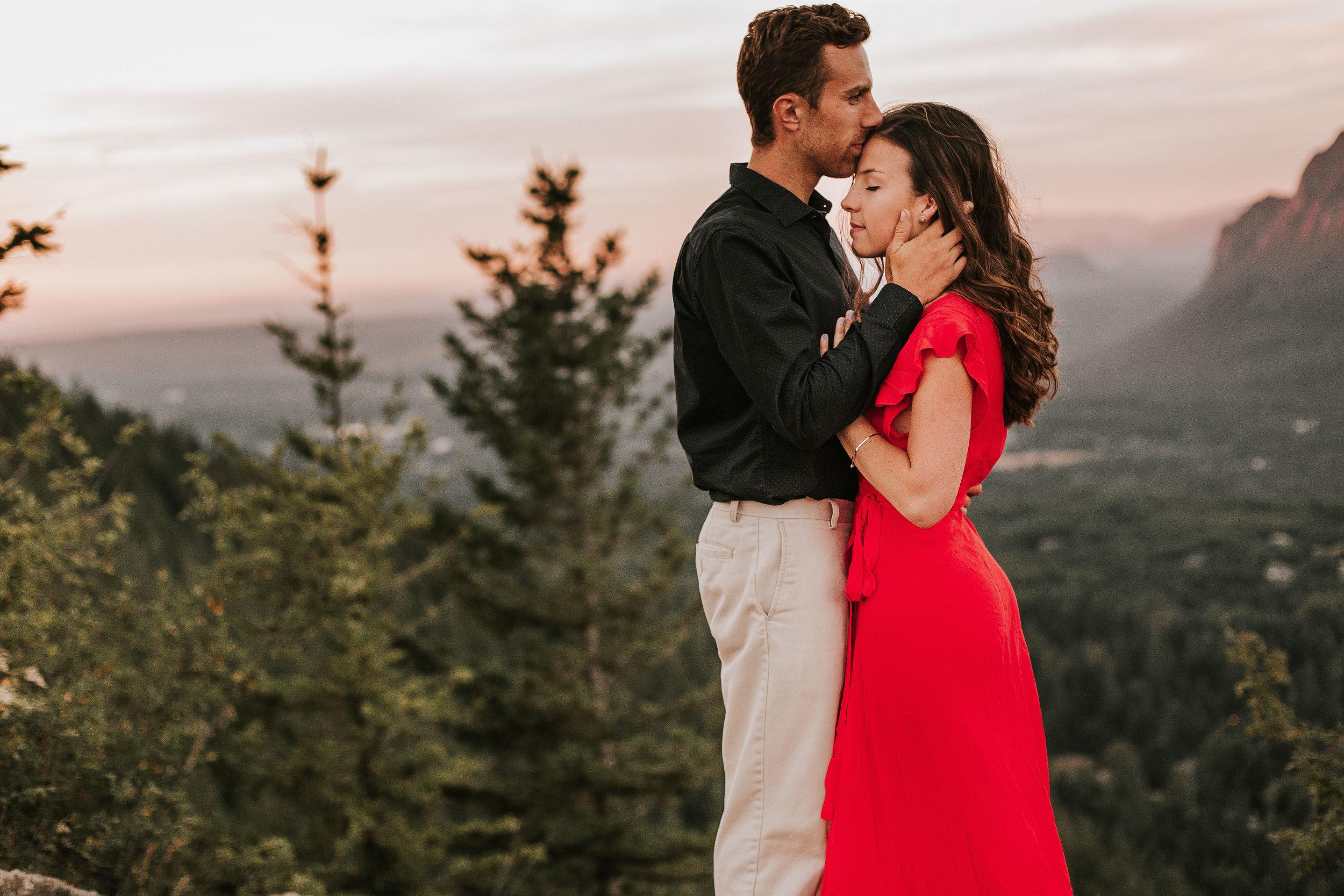 nicole-daacke-photography-rattlesnake-ridge-adventurous-engagement-session-hiking-seattle-washington-destinatino-elopement-intimate-wedding-photographer-23.jpg