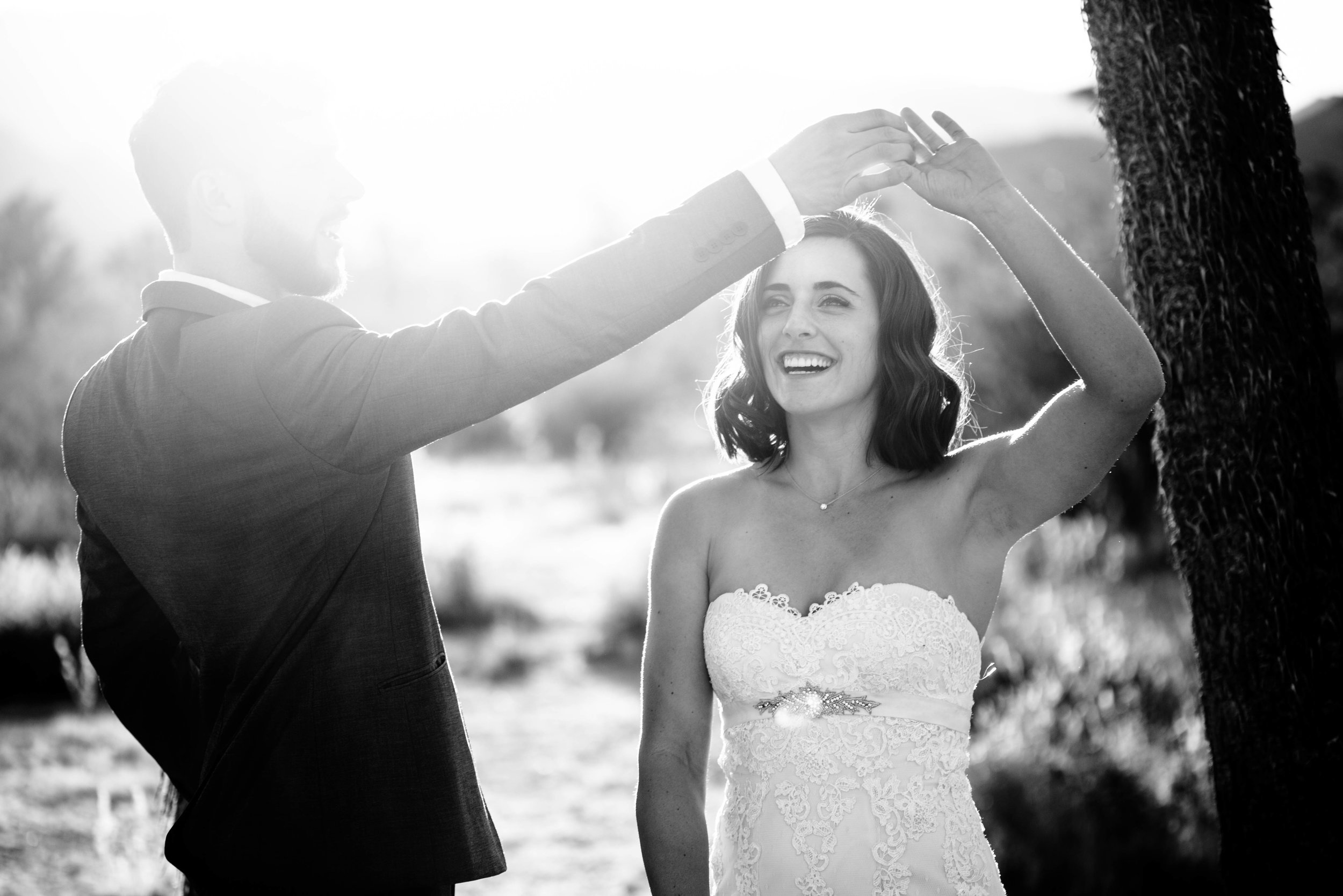 nicole-daacke-photography-joshua-tree-adventurous-elopement-wedding-national-park-wedding-photographer-adventure-wedding-adventurous-elopement-jtree-joshua-tree-national-park-wedding-photographer-intimate-weddings-golden-desert-love-5.jpg