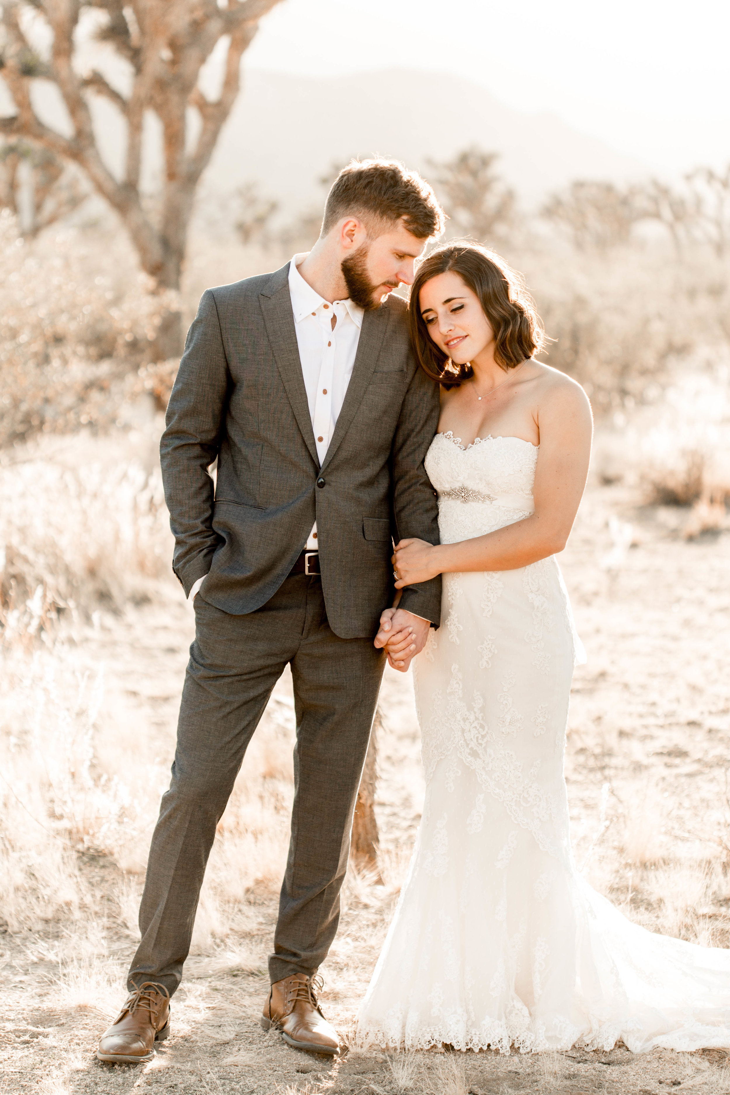 nicole-daacke-photography-joshua-tree-adventurous-elopement-wedding-national-park-wedding-photographer-adventure-wedding-adventurous-elopement-jtree-joshua-tree-national-park-wedding-photographer-intimate-weddings-golden-desert-love-9.jpg
