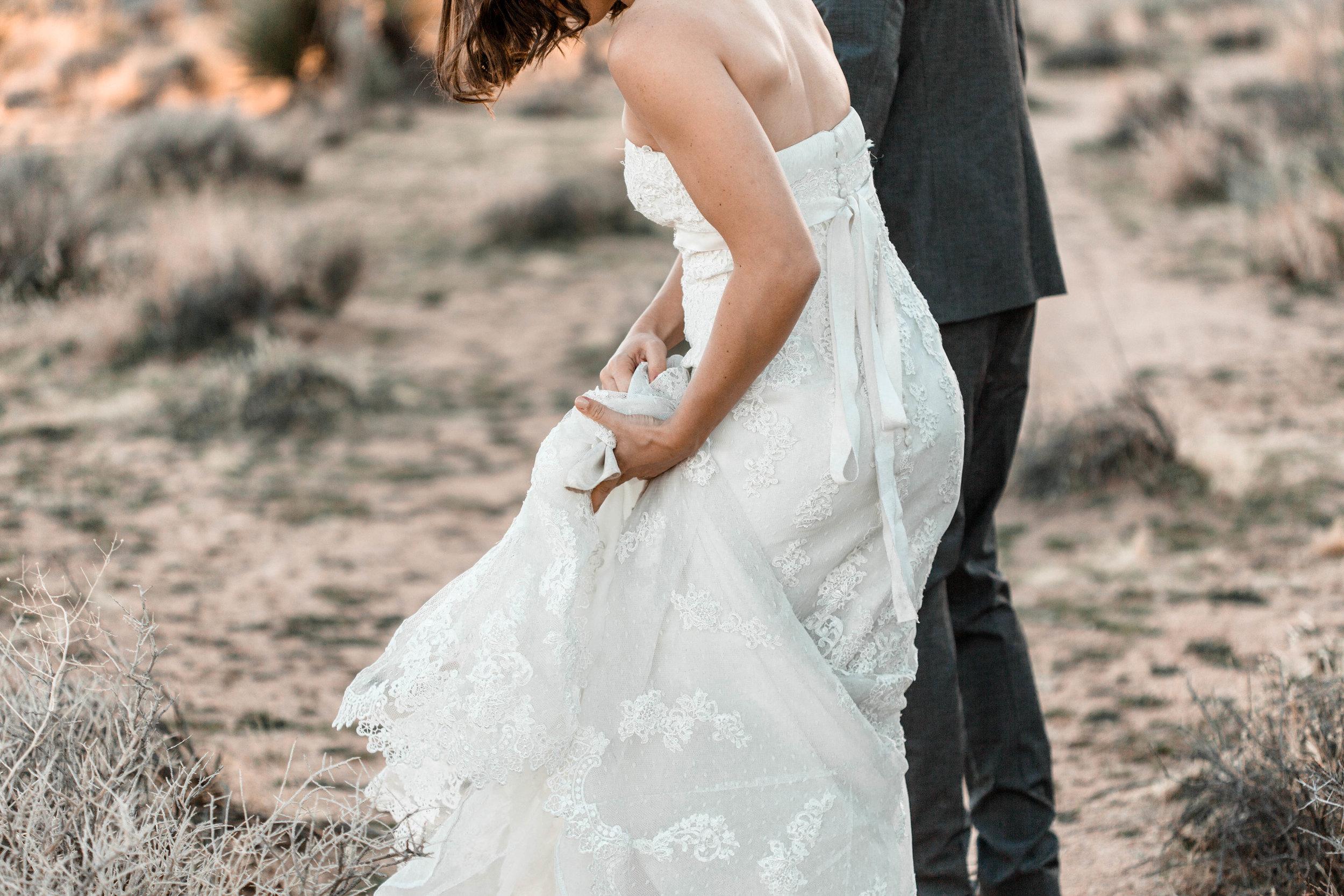 nicole-daacke-photography-joshua-tree-adventurous-elopement-wedding-national-park-wedding-photographer-adventure-wedding-adventurous-elopement-jtree-joshua-tree-national-park-wedding-photographer-intimate-weddings-golden-desert-love-21.jpg