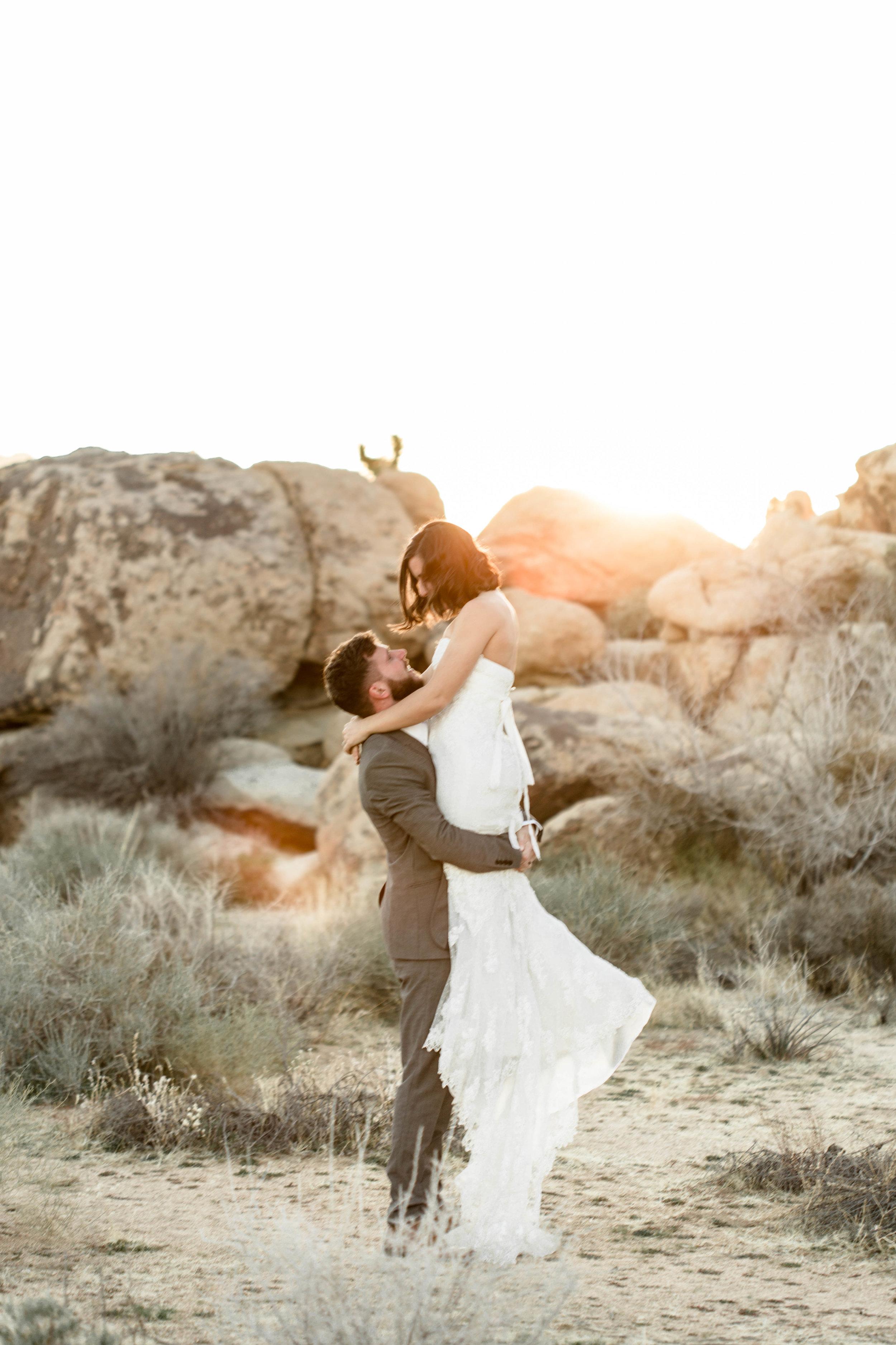 nicole-daacke-photography-joshua-tree-adventurous-elopement-wedding-national-park-wedding-photographer-adventure-wedding-adventurous-elopement-jtree-joshua-tree-national-park-wedding-photographer-intimate-weddings-golden-desert-love-23.jpg