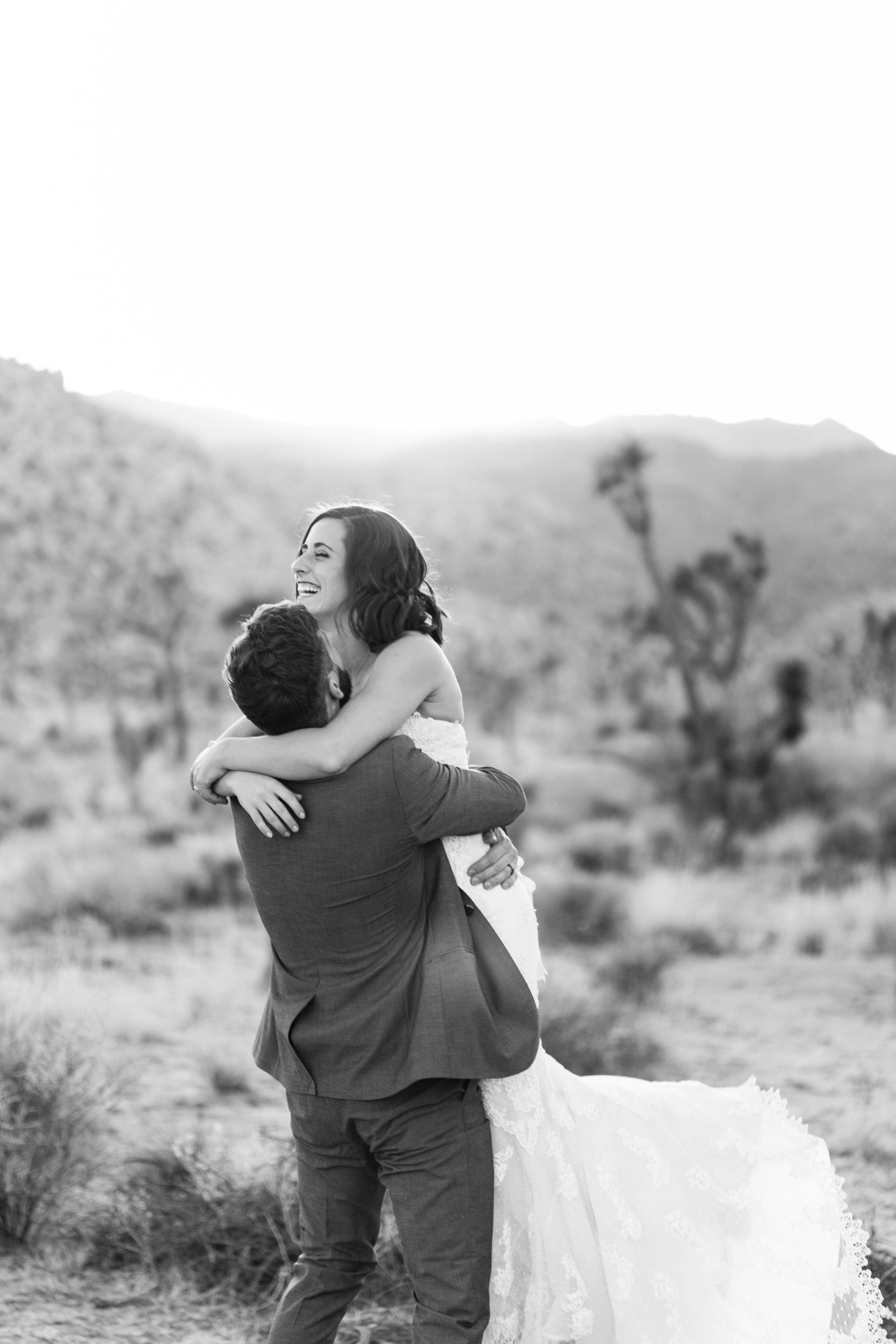 nicole-daacke-photography-joshua-tree-adventurous-elopement-wedding-national-park-wedding-photographer-adventure-wedding-adventurous-elopement-jtree-joshua-tree-national-park-wedding-photographer-intimate-weddings-golden-desert-love-26.jpg