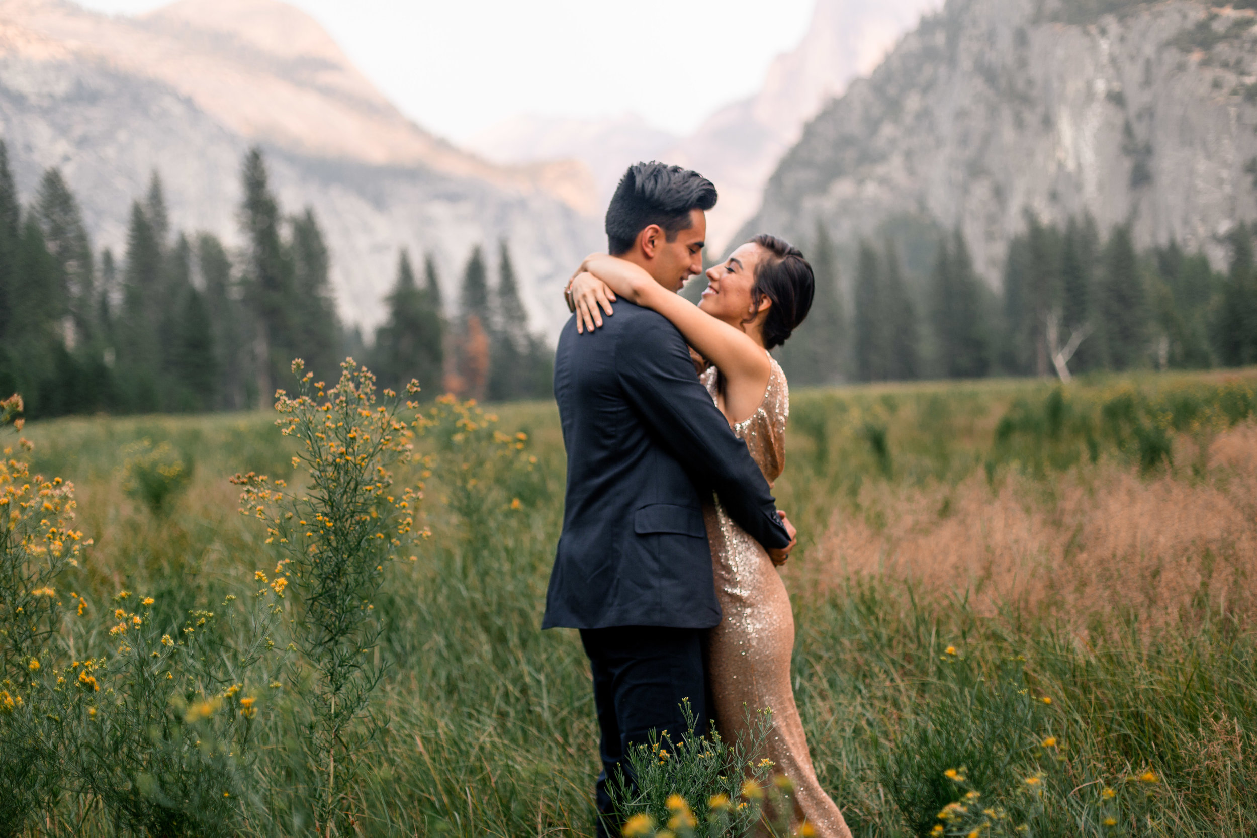 nicole-daacke-photography-yosemite-national-park-adventurous-engagement-session-half-dome-engagement-session-anniversary-photographer-yosemite-elopement-photographer-yosemite-intimate-wedding-photography-2.jpg