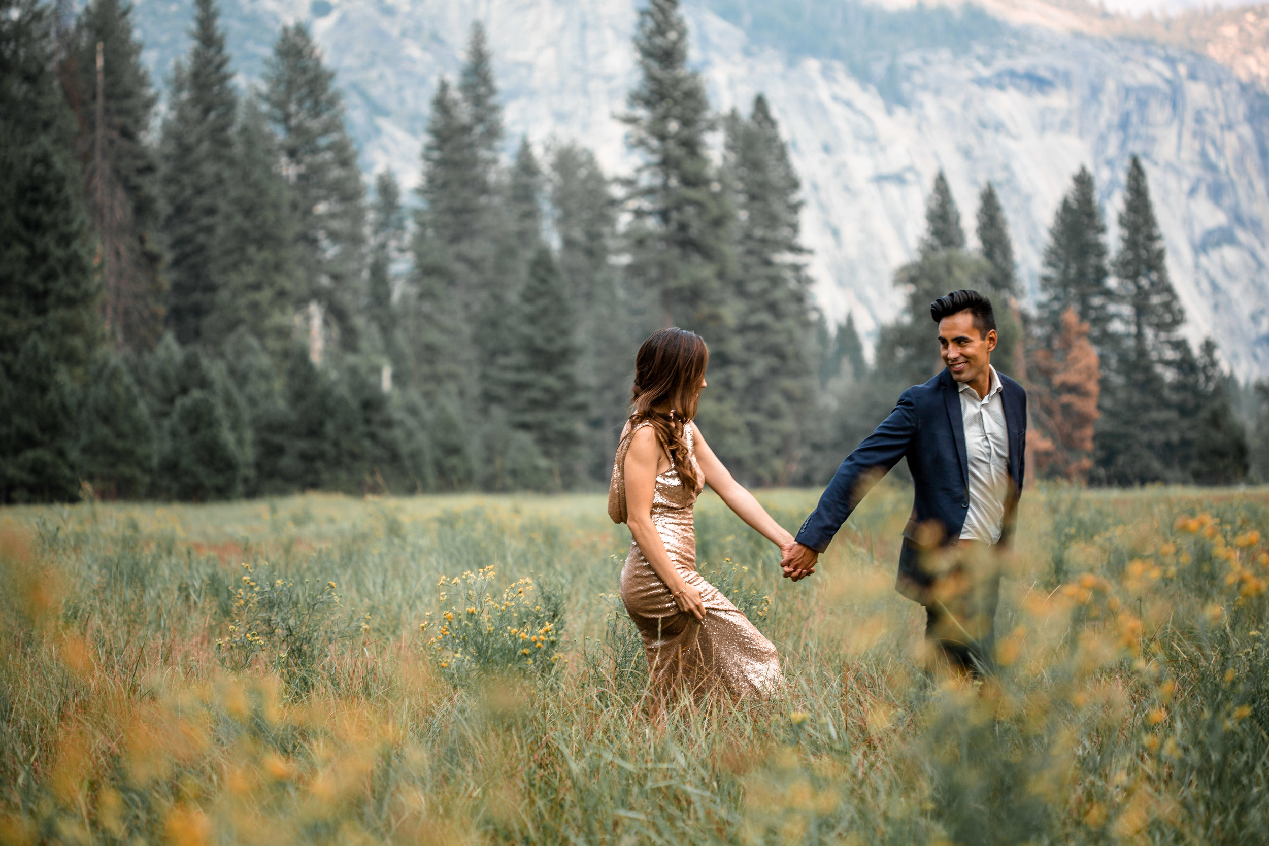nicole-daacke-photography-yosemite-national-park-adventurous-engagement-session-half-dome-engagement-session-anniversary-photographer-yosemite-elopement-photographer-yosemite-intimate-wedding-photography-10.jpg