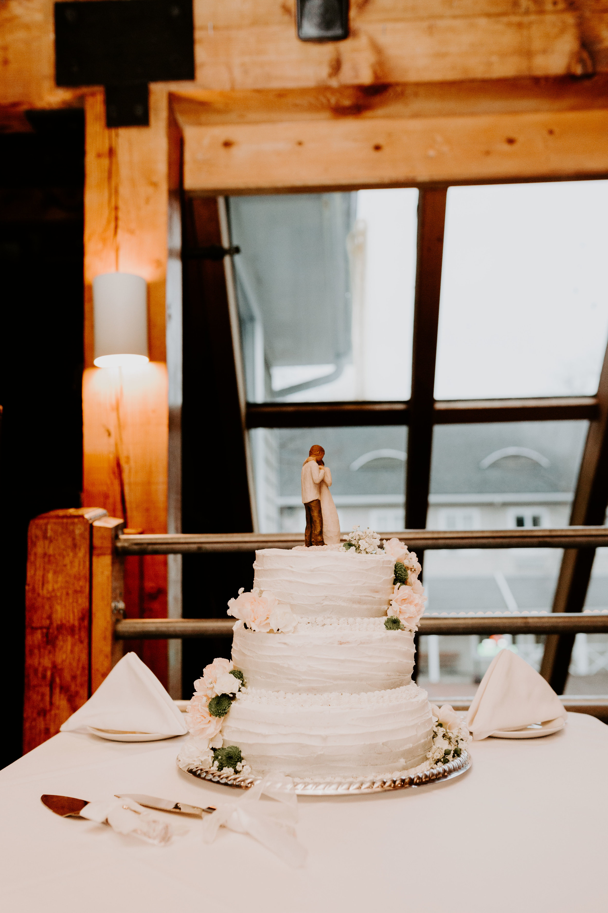 nicole-daacke-photography-boston-massachusetts-seaside-intimate-winter-wedding-photographer-50.jpg