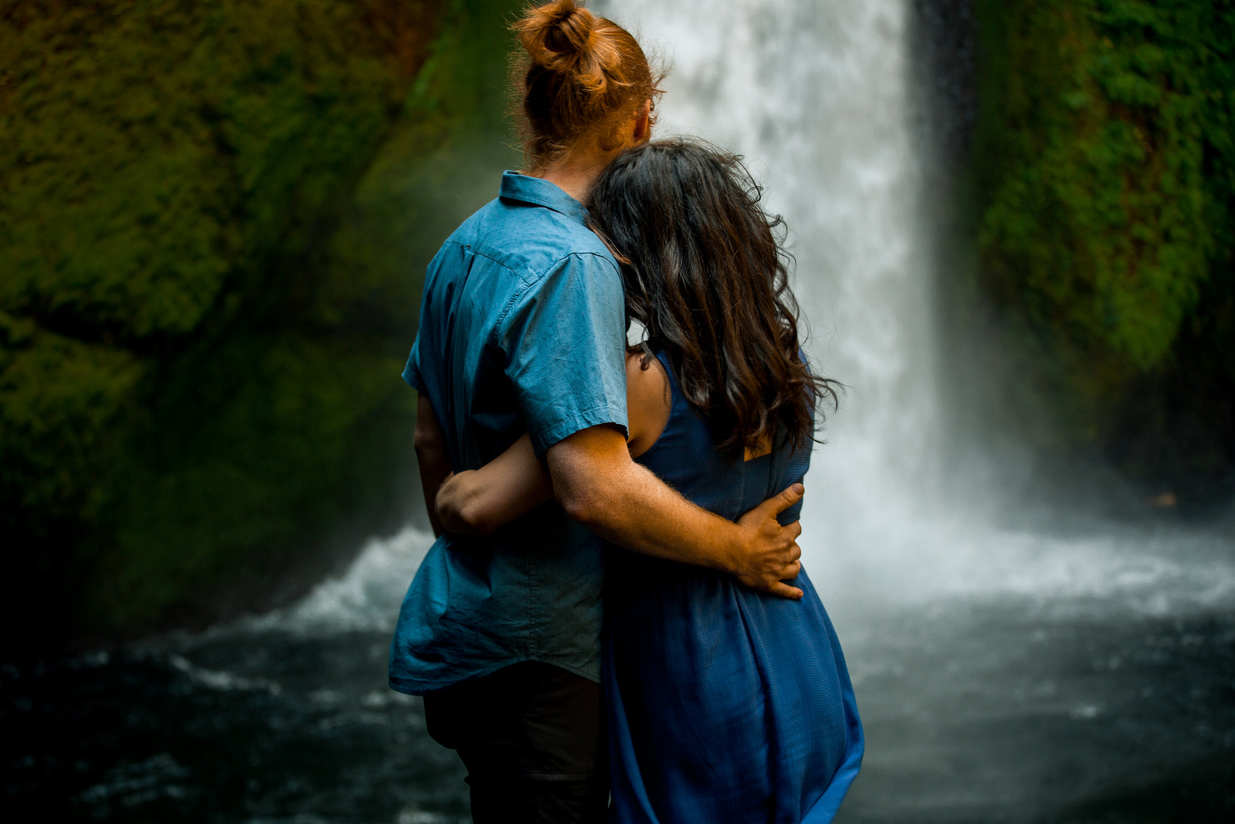 nicole-daacke-photography-wahclella-falls-waterfall-engagement-session-portland-engagement-photographer-columbia-river-gorge-oregon-elopement-photographer-6.jpg