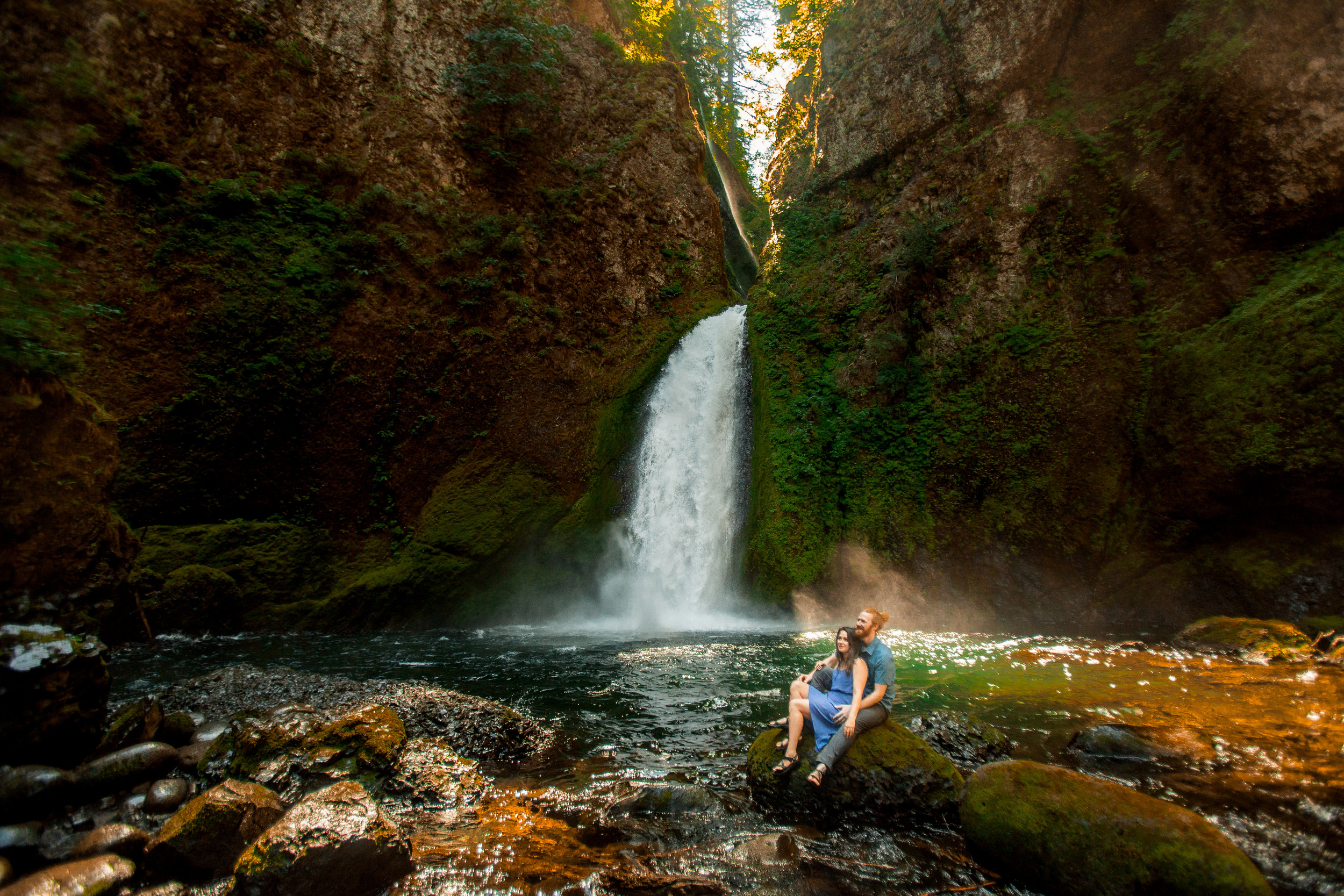 nicole-daacke-photography-wahclella-falls-waterfall-engagement-session-portland-engagement-photographer-columbia-river-gorge-oregon-elopement-photographer-20.jpg