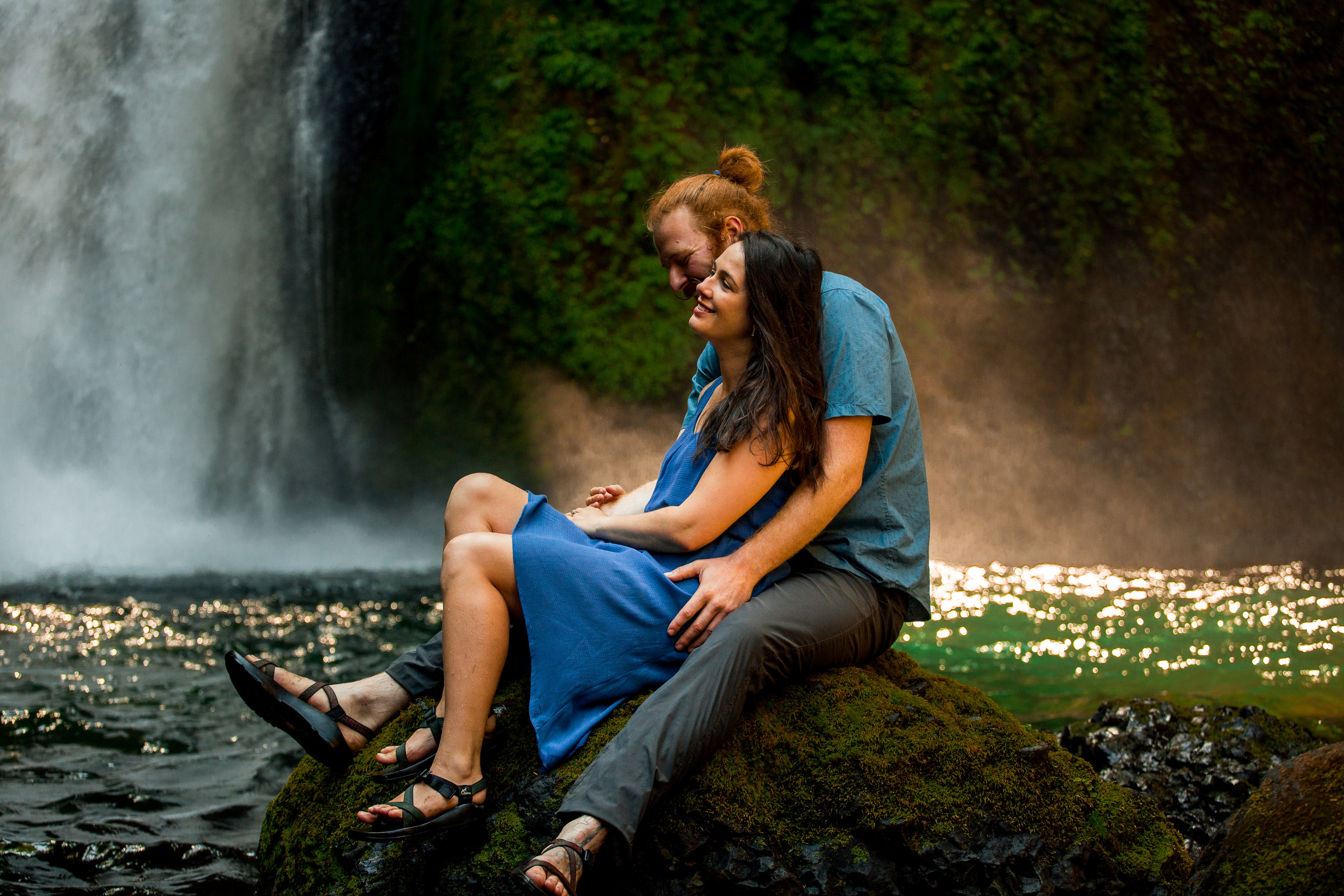 nicole-daacke-photography-wahclella-falls-waterfall-engagement-session-portland-engagement-photographer-columbia-river-gorge-oregon-elopement-photographer-22.jpg