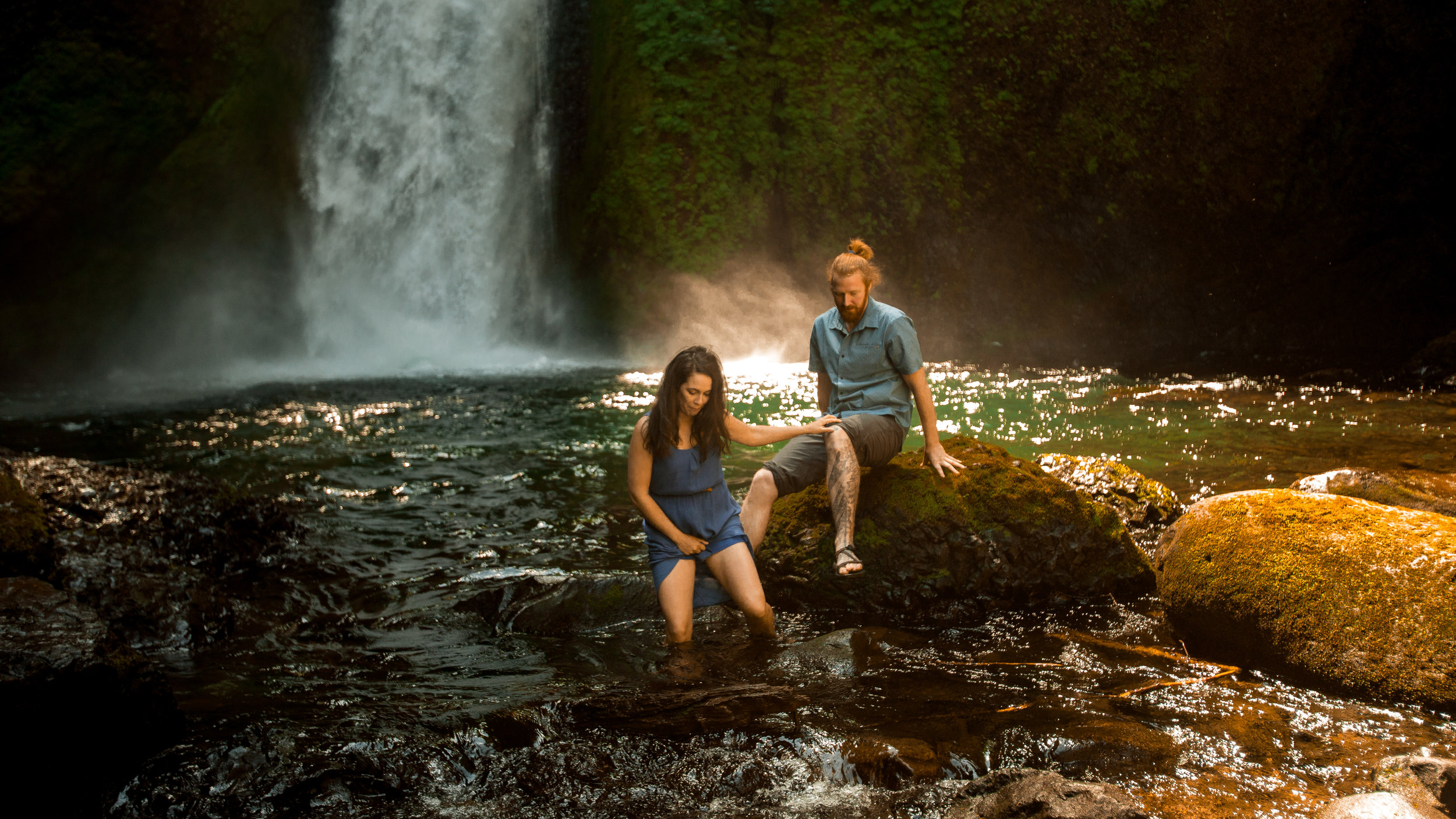 nicole-daacke-photography-wahclella-falls-waterfall-engagement-session-portland-engagement-photographer-columbia-river-gorge-oregon-elopement-photographer-31.jpg
