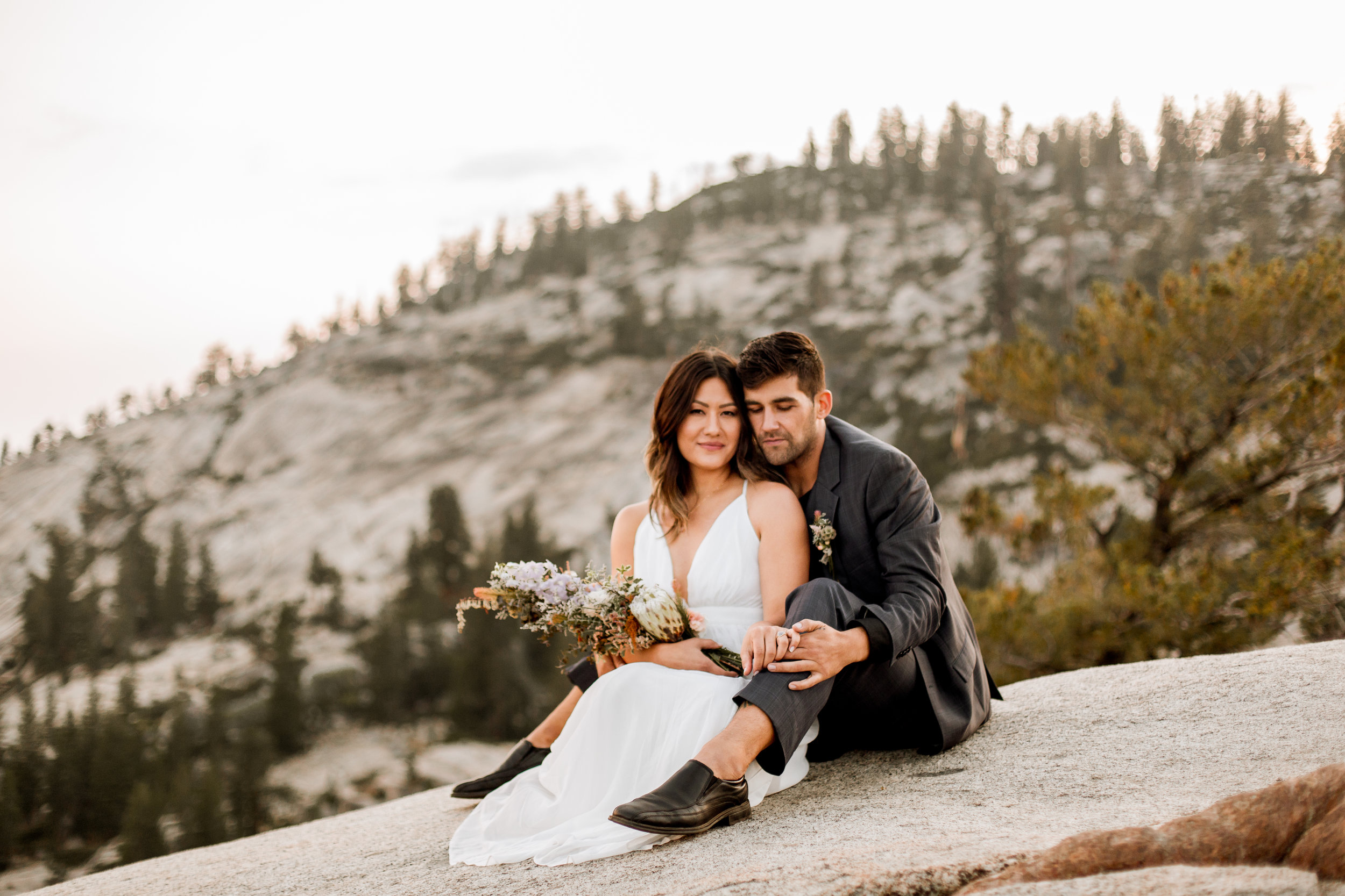 nicole-daacke-photography-yosemite-national-park-fall-elopement-adventurous-free-spirit-boho-bohemian-elopement-olmsted-point-yosemite-california-elope-adventure-elopement-photographer-57.jpg