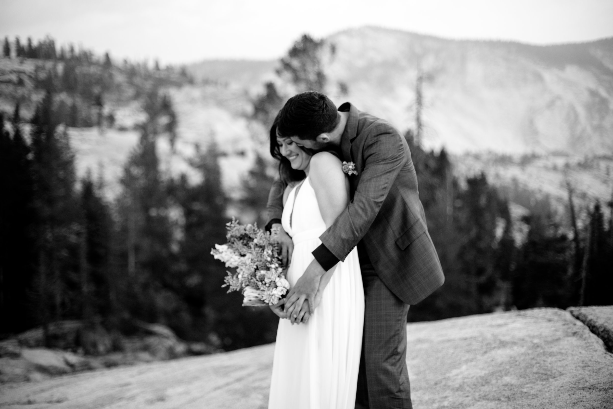 nicole-daacke-photography-yosemite-national-park-fall-elopement-adventurous-free-spirit-boho-bohemian-elopement-olmsted-point-yosemite-california-elope-adventure-elopement-photographer-65.jpg