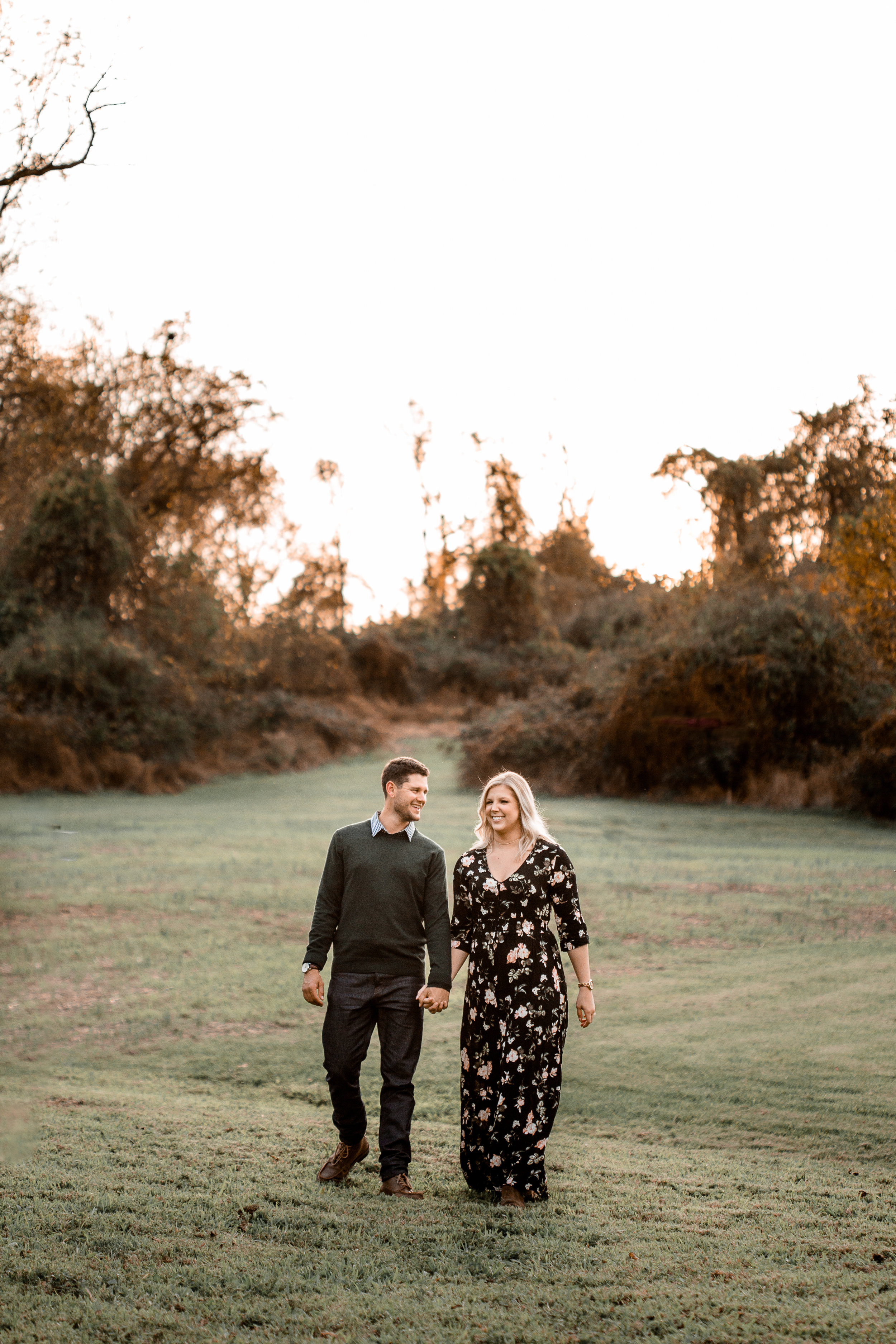 nicole-daacke-photography-carefree-bohemian-lancaster-pa-pennsylvania-engagement-photos-engagement-session-golden-sunset-adventure-session-in-lancaster-pa-lancaster-pa-outdoor-wedding-photographer-1.jpg
