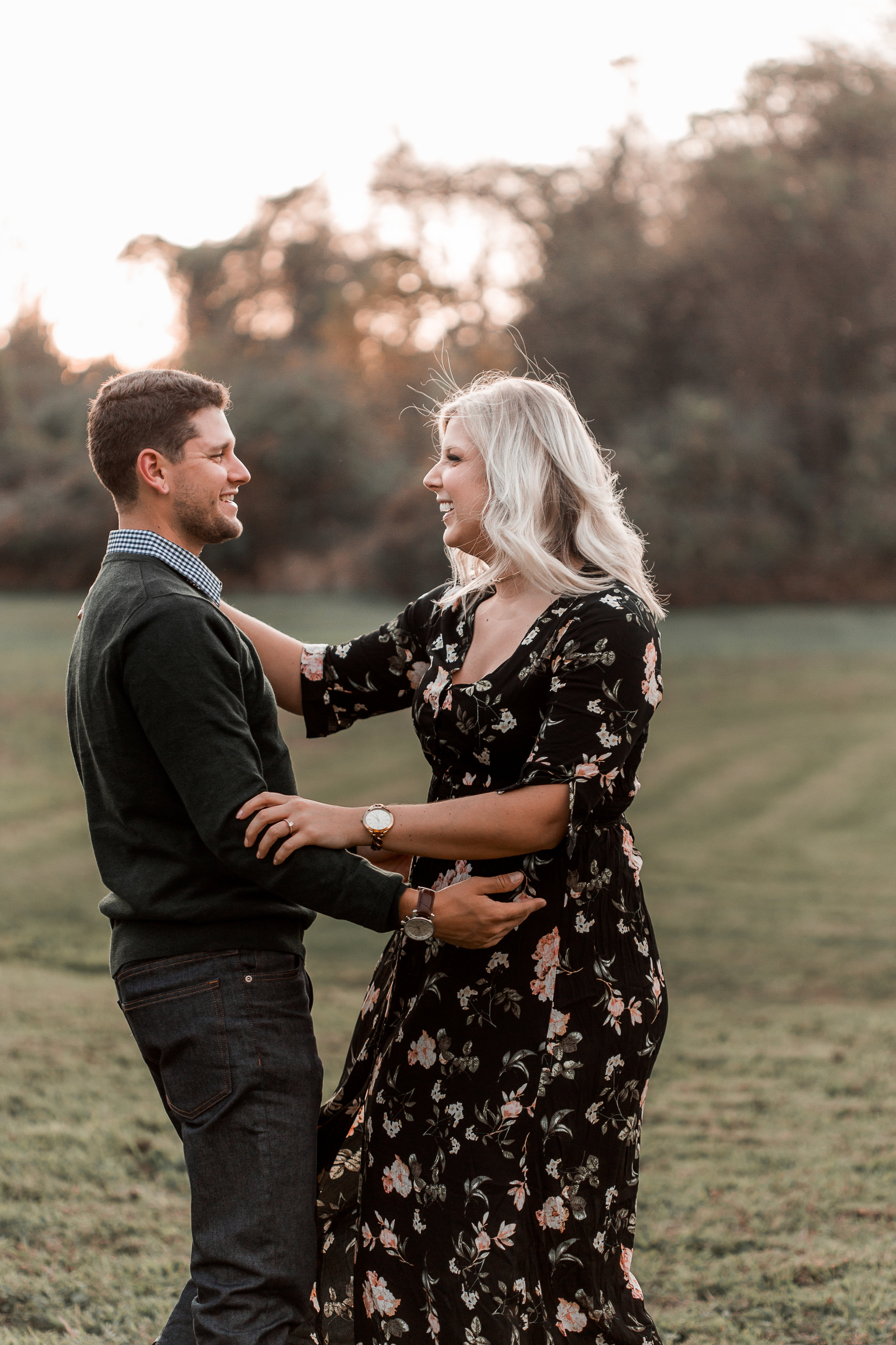 nicole-daacke-photography-carefree-bohemian-lancaster-pa-pennsylvania-engagement-photos-engagement-session-golden-sunset-adventure-session-in-lancaster-pa-lancaster-pa-outdoor-wedding-photographer-3.jpg