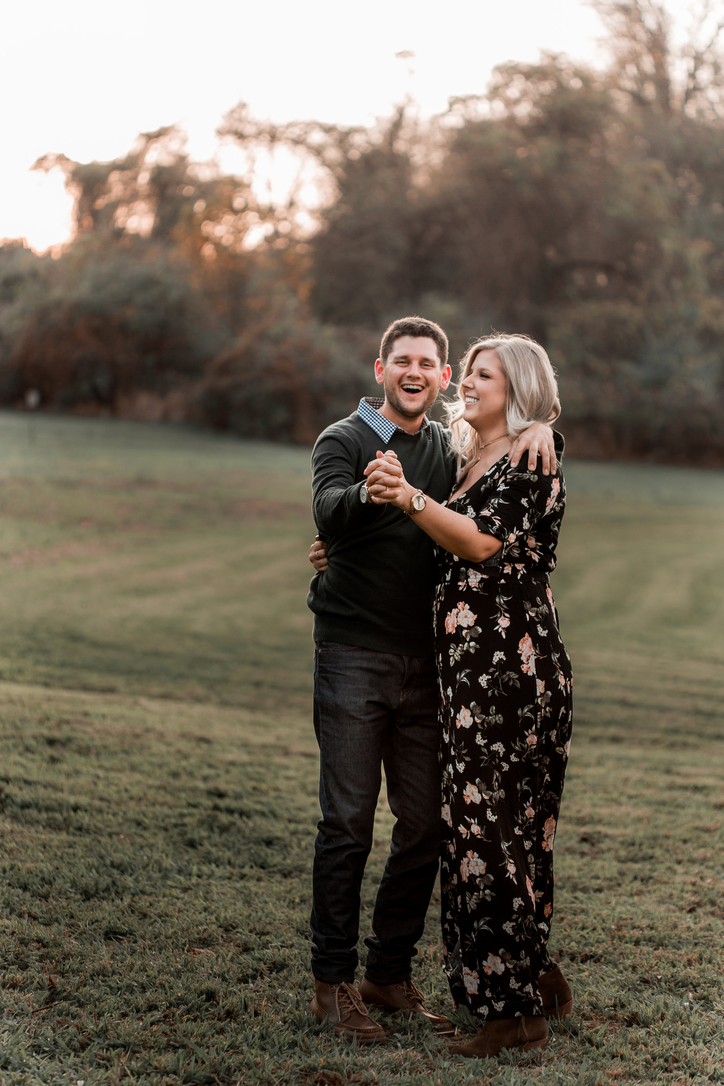 nicole-daacke-photography-carefree-bohemian-lancaster-pa-pennsylvania-engagement-photos-engagement-session-golden-sunset-adventure-session-in-lancaster-pa-lancaster-pa-outdoor-wedding-photographer-5.jpg