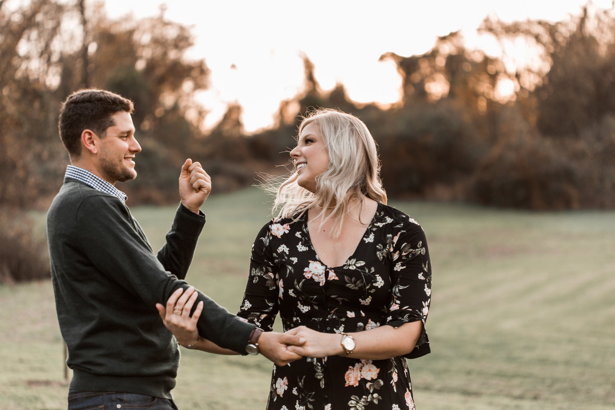 nicole-daacke-photography-carefree-bohemian-lancaster-pa-pennsylvania-engagement-photos-engagement-session-golden-sunset-adventure-session-in-lancaster-pa-lancaster-pa-outdoor-wedding-photographer-10.jpg