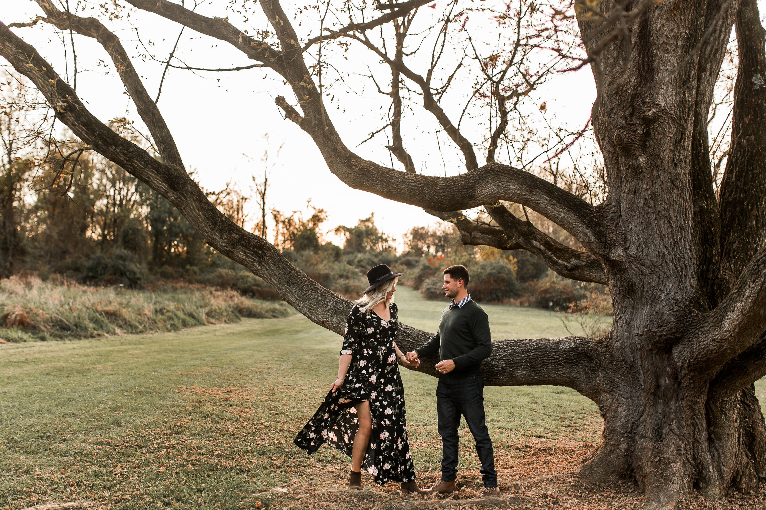 nicole-daacke-photography-carefree-bohemian-lancaster-pa-pennsylvania-engagement-photos-engagement-session-golden-sunset-adventure-session-in-lancaster-pa-lancaster-pa-outdoor-wedding-photographer-18.jpg
