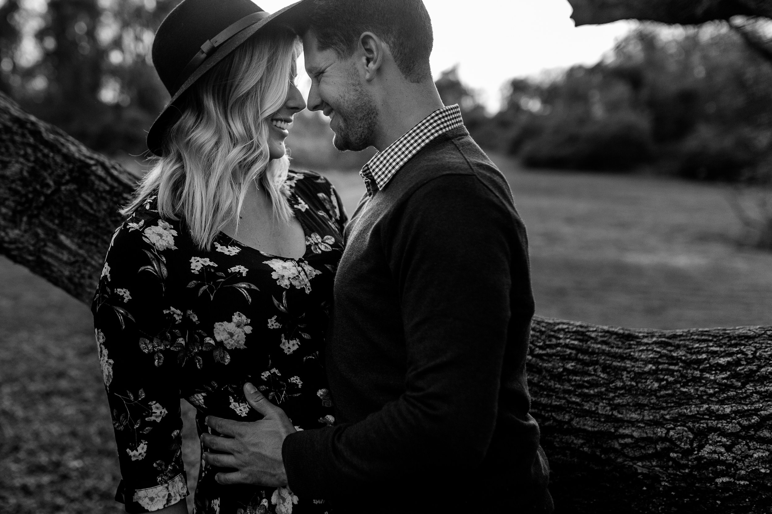 nicole-daacke-photography-carefree-bohemian-lancaster-pa-pennsylvania-engagement-photos-engagement-session-golden-sunset-adventure-session-in-lancaster-pa-lancaster-pa-outdoor-wedding-photographer-21.jpg