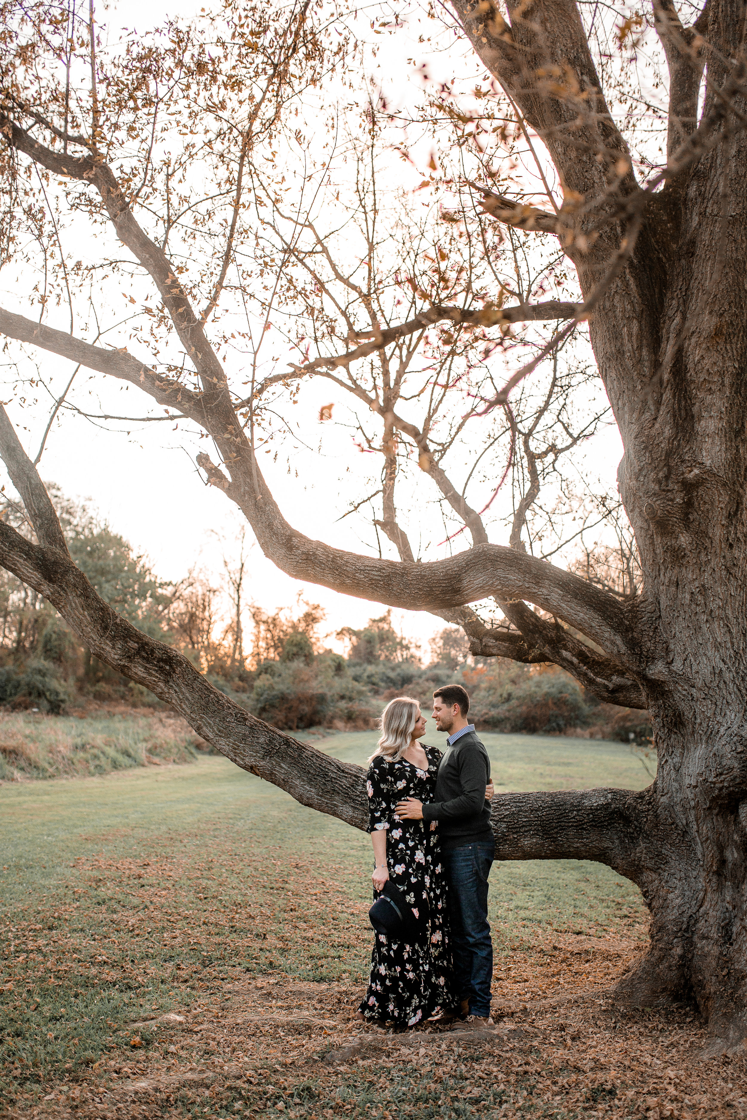 nicole-daacke-photography-carefree-bohemian-lancaster-pa-pennsylvania-engagement-photos-engagement-session-golden-sunset-adventure-session-in-lancaster-pa-lancaster-pa-outdoor-wedding-photographer-25.jpg