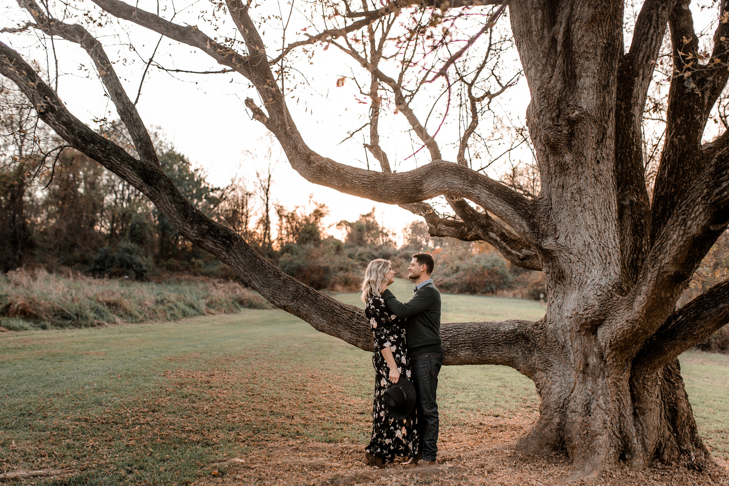nicole-daacke-photography-carefree-bohemian-lancaster-pa-pennsylvania-engagement-photos-engagement-session-golden-sunset-adventure-session-in-lancaster-pa-lancaster-pa-outdoor-wedding-photographer-28.jpg