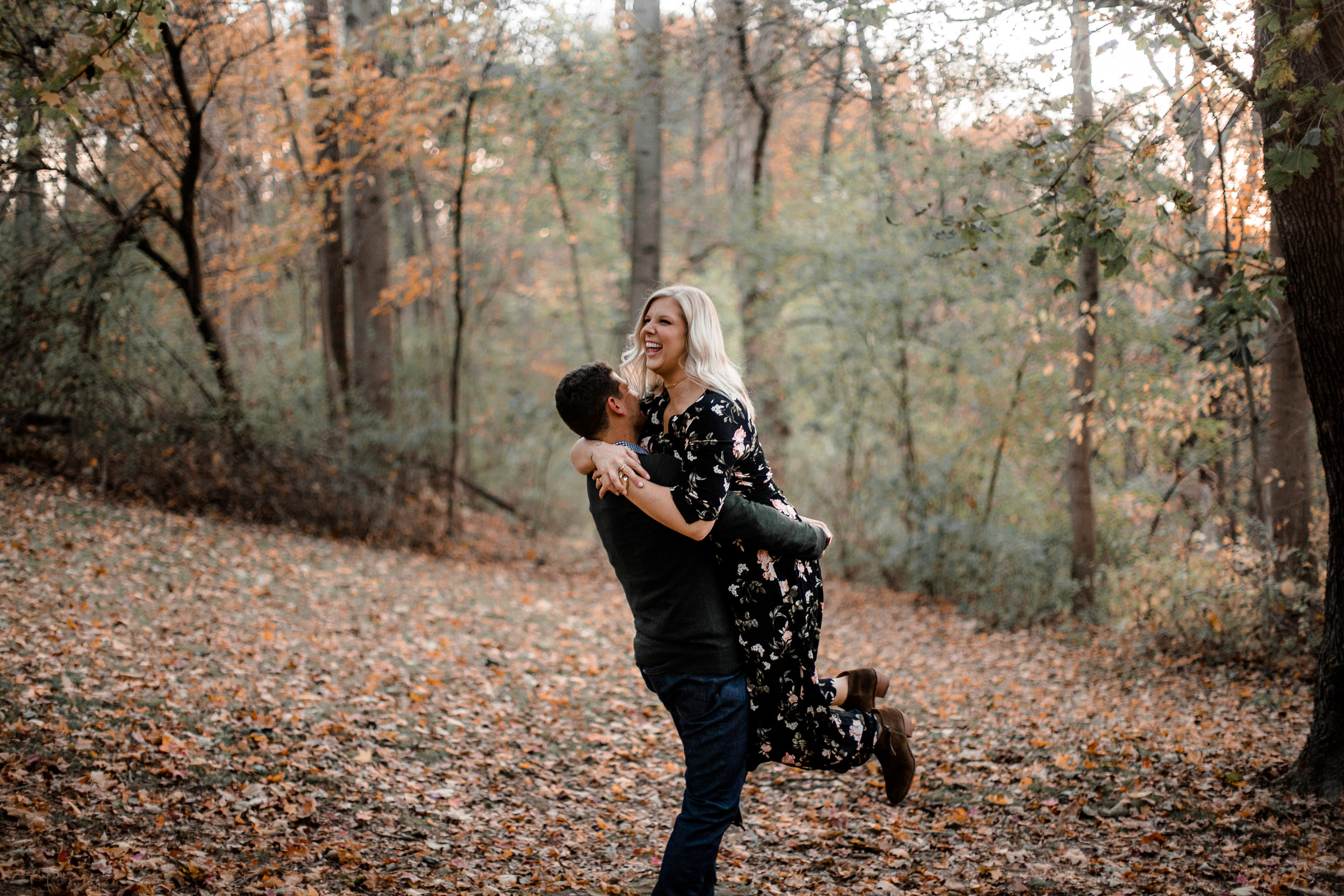 nicole-daacke-photography-carefree-bohemian-lancaster-pa-pennsylvania-engagement-photos-engagement-session-golden-sunset-adventure-session-in-lancaster-pa-lancaster-pa-outdoor-wedding-photographer-46.jpg