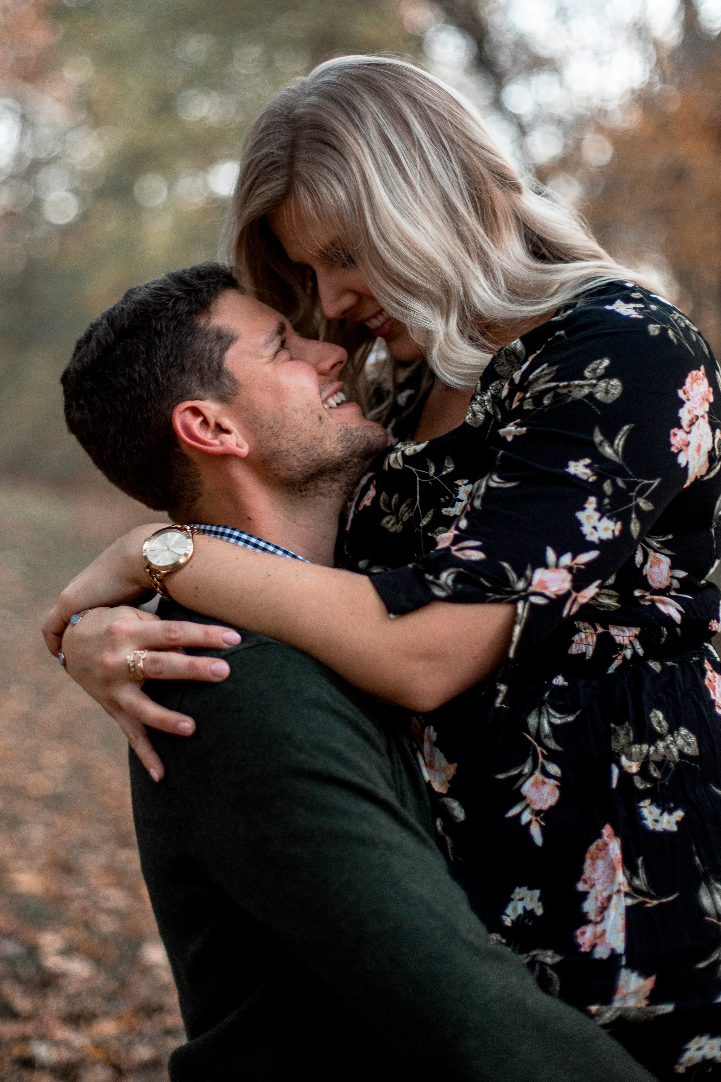 nicole-daacke-photography-carefree-bohemian-lancaster-pa-pennsylvania-engagement-photos-engagement-session-golden-sunset-adventure-session-in-lancaster-pa-lancaster-pa-outdoor-wedding-photographer-50.jpg