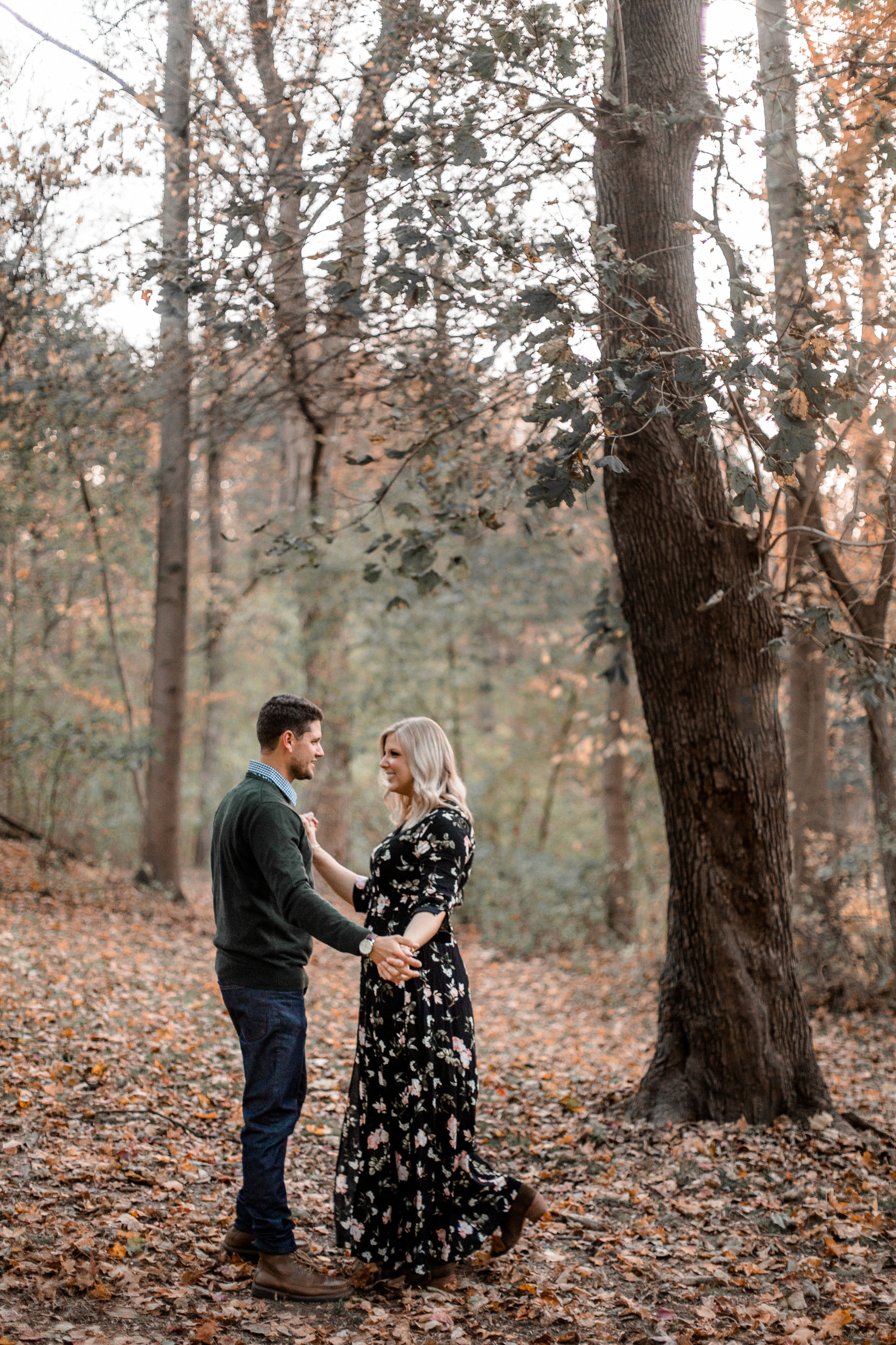 nicole-daacke-photography-carefree-bohemian-lancaster-pa-pennsylvania-engagement-photos-engagement-session-golden-sunset-adventure-session-in-lancaster-pa-lancaster-pa-outdoor-wedding-photographer-52.jpg