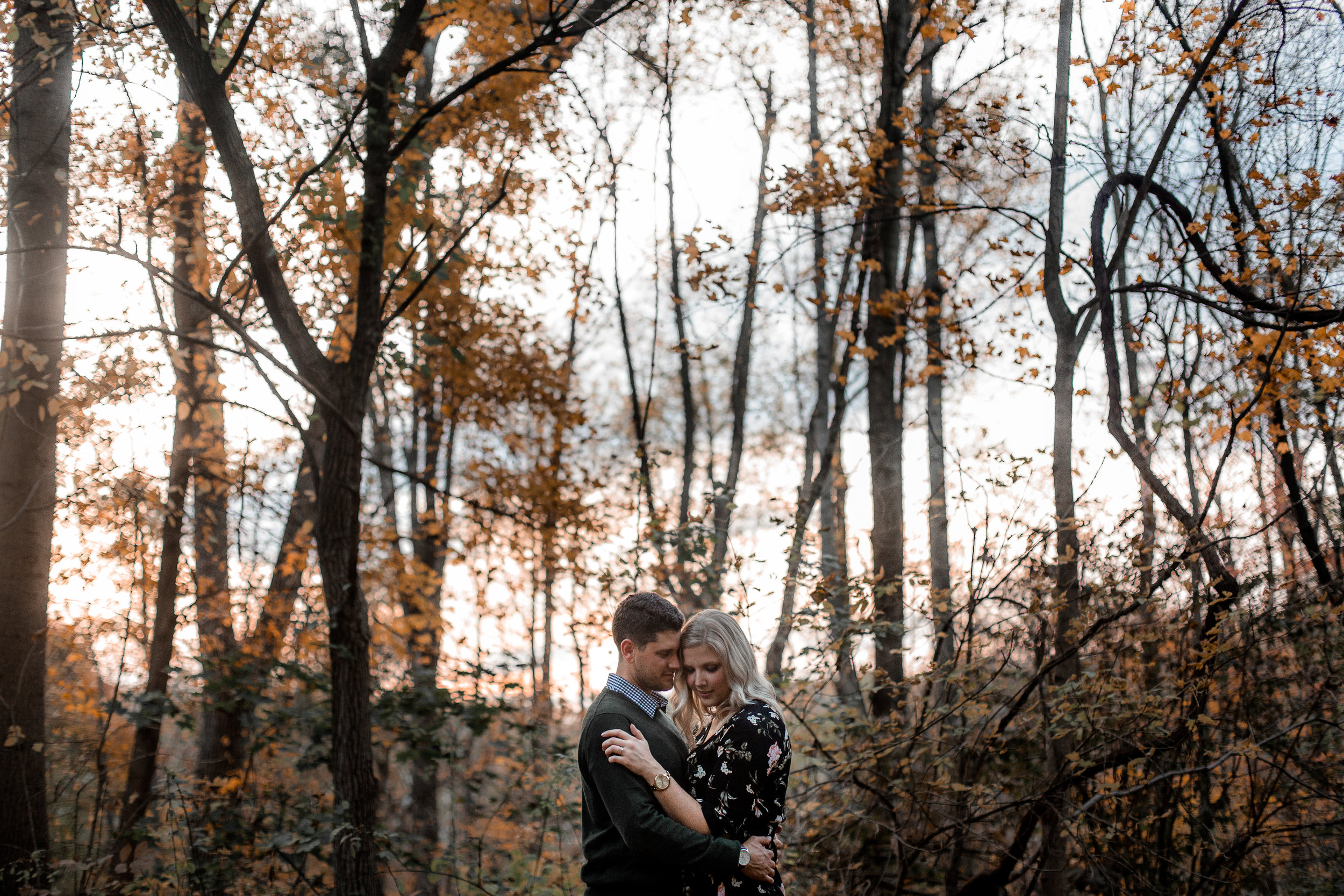 nicole-daacke-photography-carefree-bohemian-lancaster-pa-pennsylvania-engagement-photos-engagement-session-golden-sunset-adventure-session-in-lancaster-pa-lancaster-pa-outdoor-wedding-photographer-58.jpg