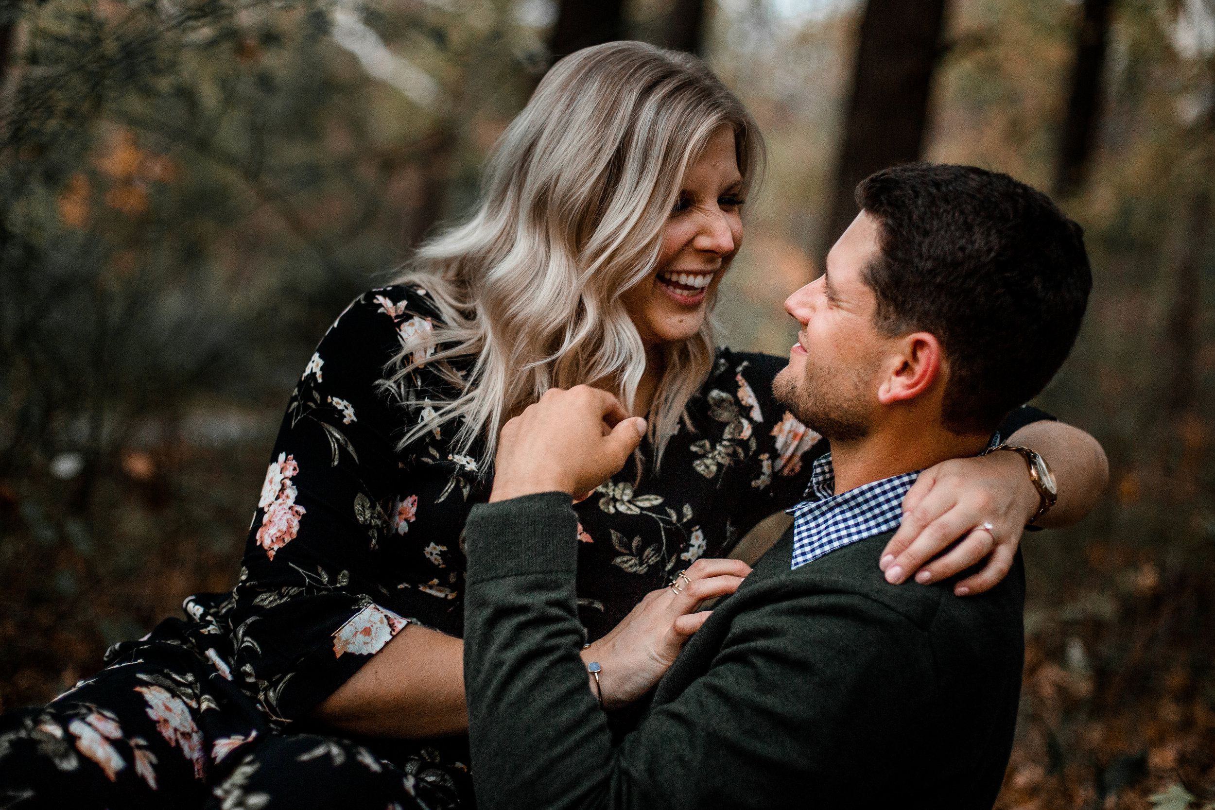 nicole-daacke-photography-carefree-bohemian-lancaster-pa-pennsylvania-engagement-photos-engagement-session-golden-sunset-adventure-session-in-lancaster-pa-lancaster-pa-outdoor-wedding-photographer-65.jpg