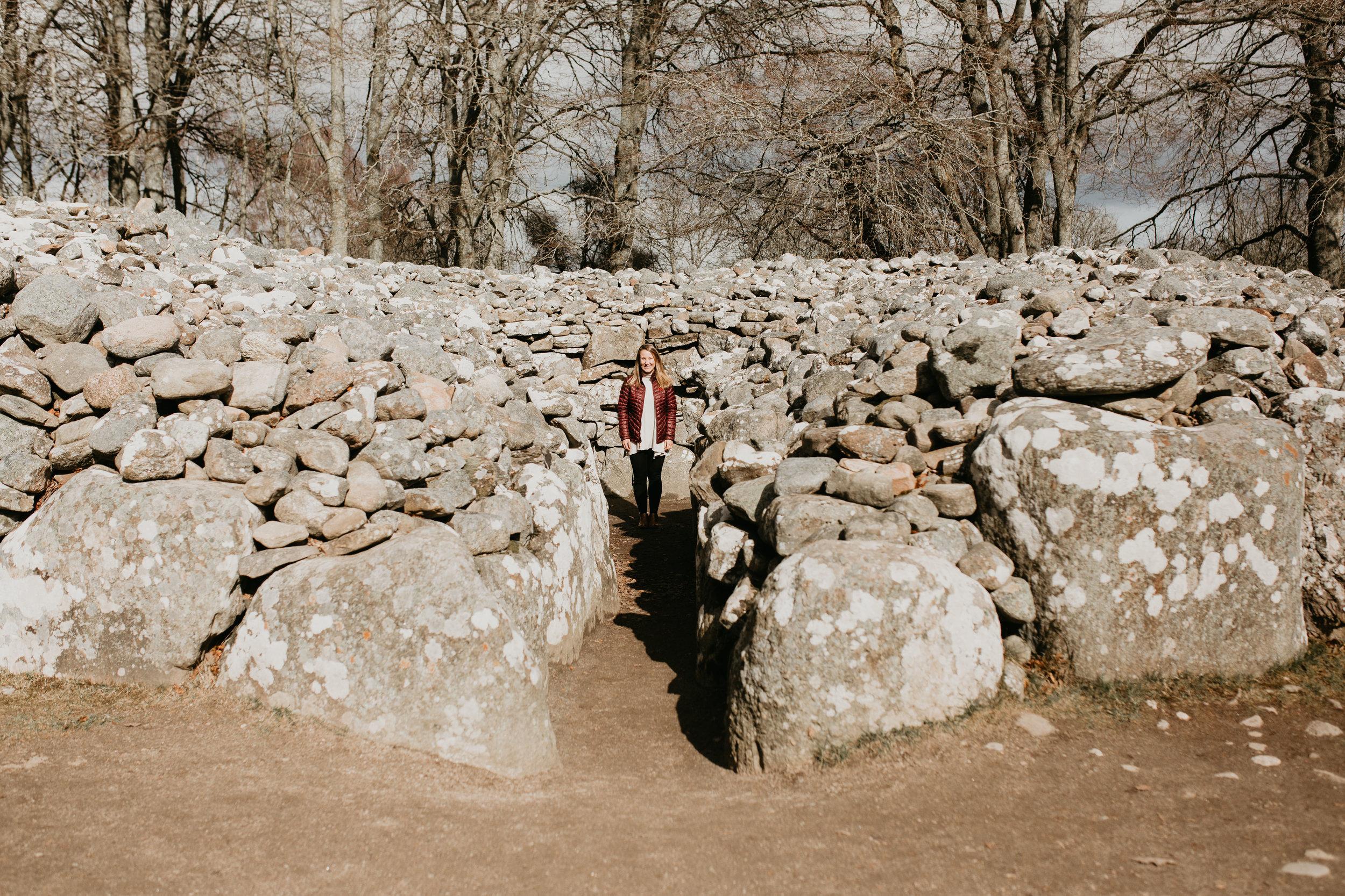 nicole-daacke-photography-scottish-highlands-elopement-wedding-photographer-isle-of-skye-elopement-photography-scotland-landscape-photography-culloden-inverness-stirling-destination-wedding-united-kindgom-wedding-photographer-12.jpg
