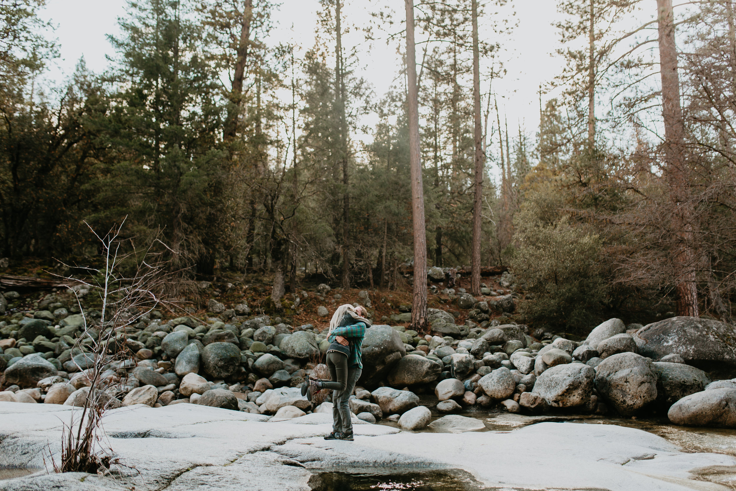nicole-daacke-photography-yosemite-riverside-adventurous-engagement-photos-in-yosemite-national-park-elopement-photographer-weddings-travel-destination-wedding-eloping-elope-pine-forest-5.jpg
