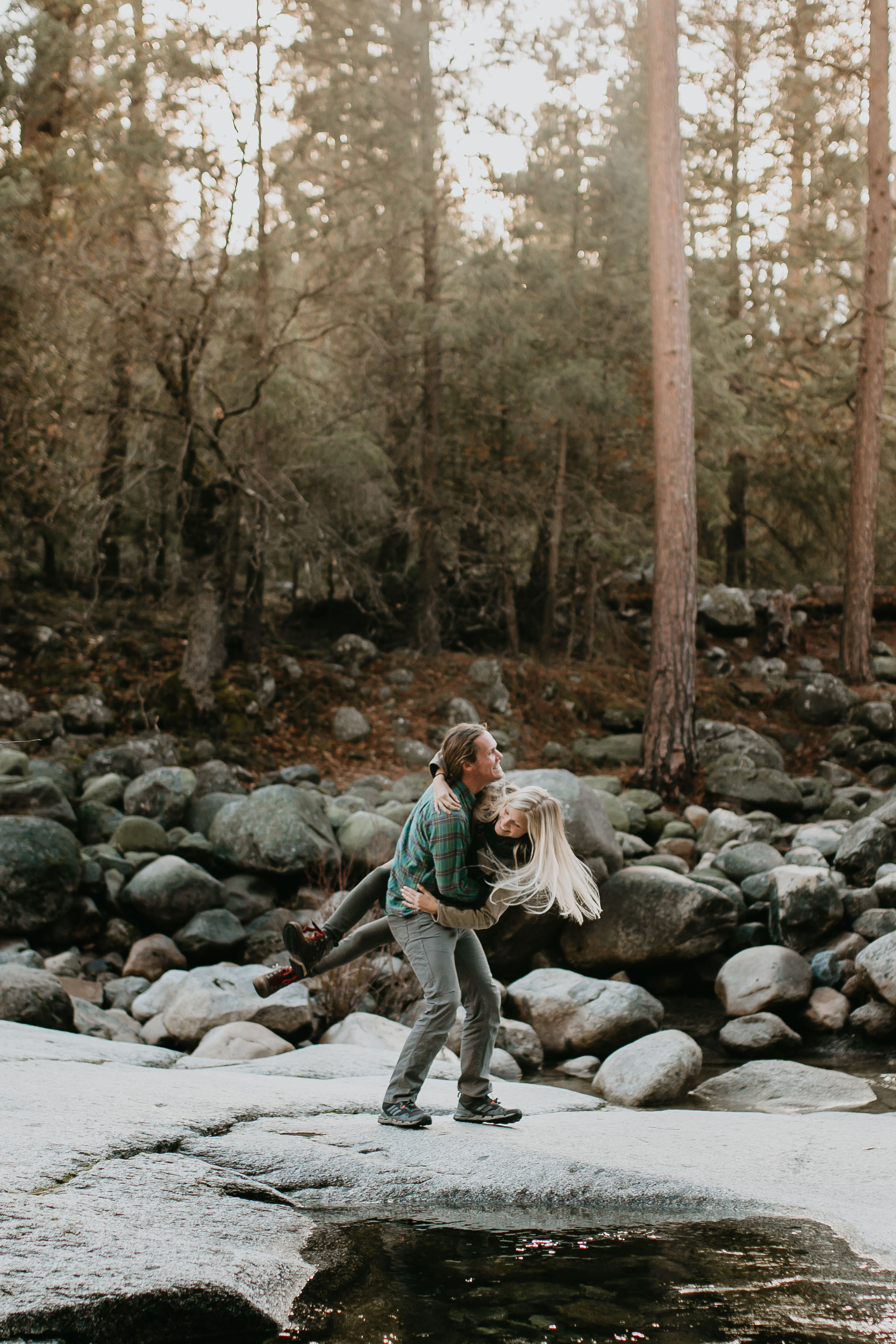 nicole-daacke-photography-yosemite-riverside-adventurous-engagement-photos-in-yosemite-national-park-elopement-photographer-weddings-travel-destination-wedding-eloping-elope-pine-forest-6.jpg